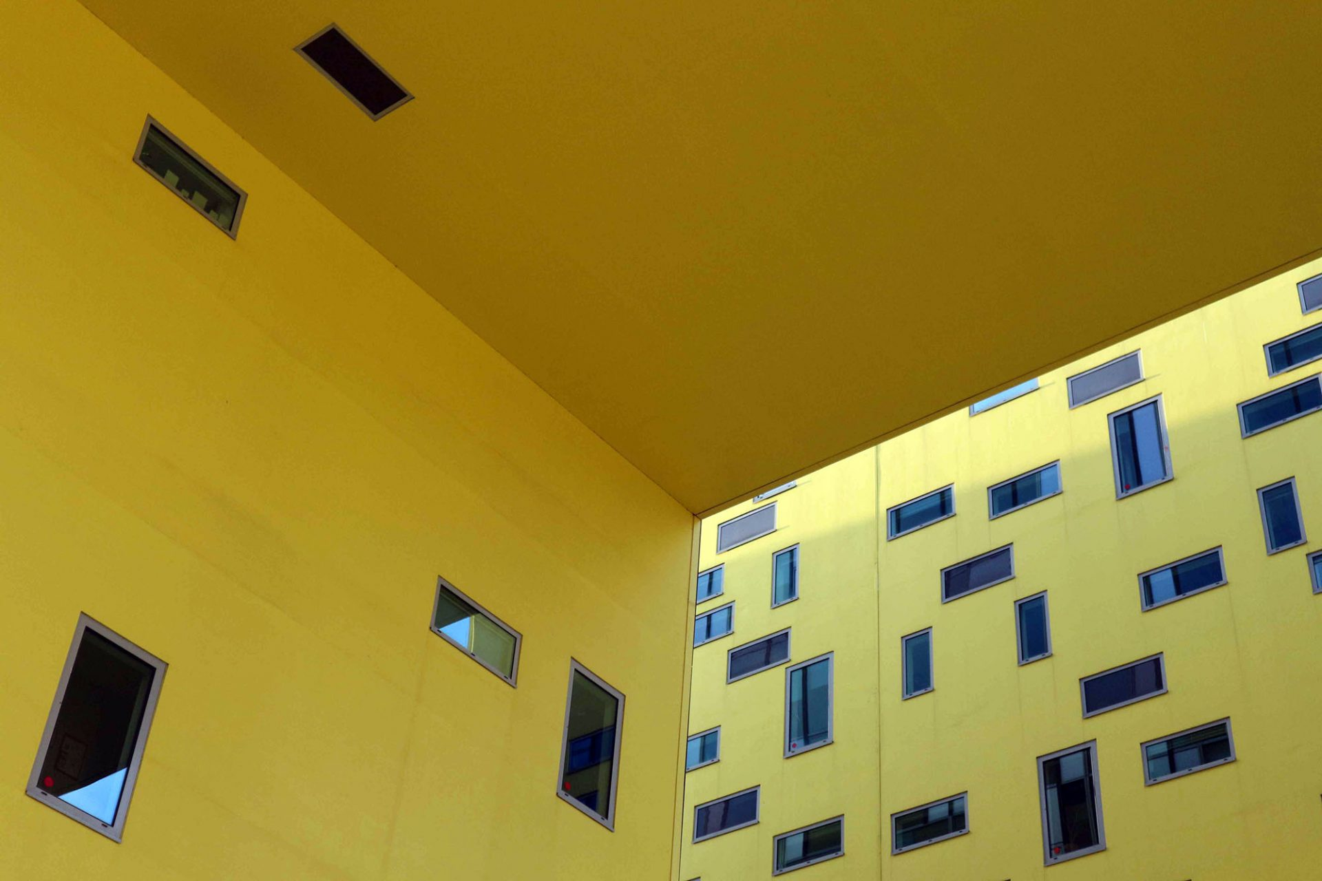 Ilot Grüner. Liegende und stehende Fensterformate wechseln sich ab.