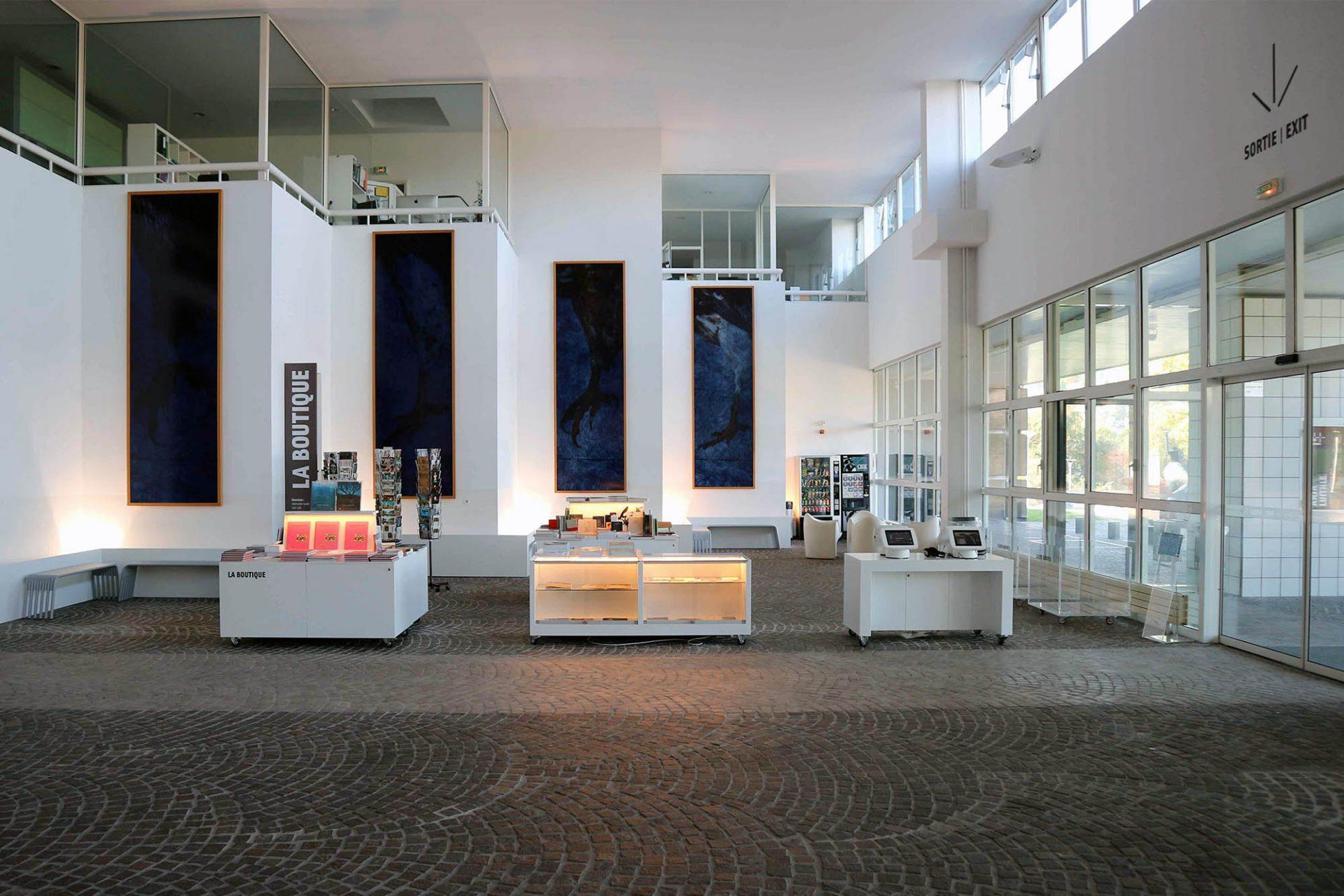 Musée d'art moderne et contemporain.  Dreimal jährlich finden hier wechselnde Ausstellungen mit zeitgenössischer Kunst statt.