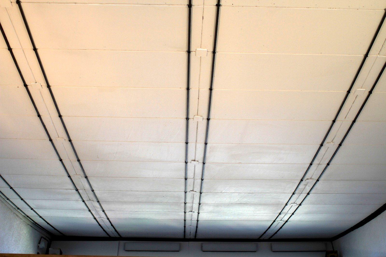 Maison de la Culture. Eine weitere Besonderheit des einzigen Le Corbusier-Baus seiner Art in Europa: das Hängedach mit den Stahlkabeln und den Betonplatten.