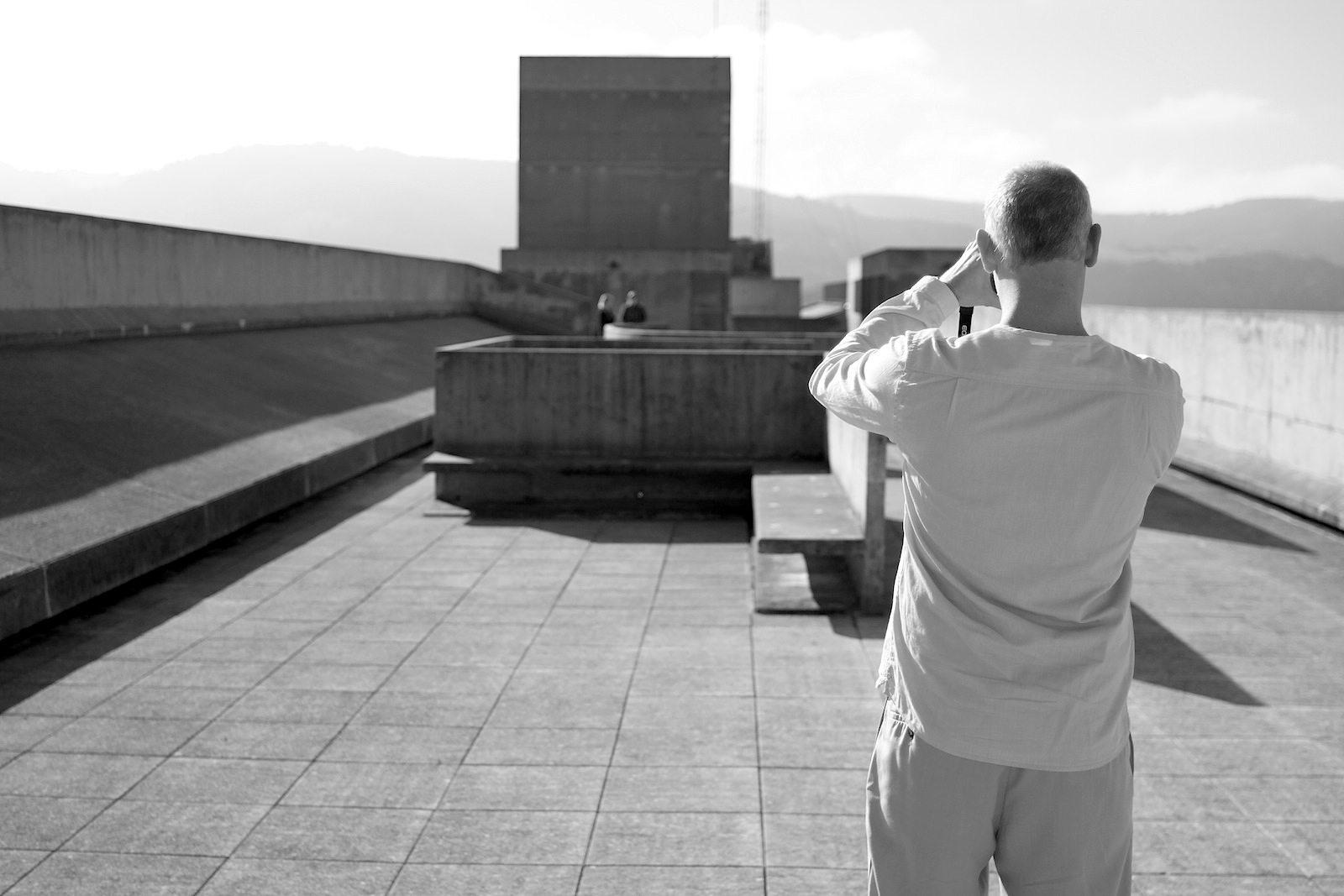 Unité d'Habitation. Auf Nachfrage erklärte das Site Le Corbusier, dass es bereits Vorplanungen gäbe. Für Fotografen ist das einerlei: Le Corbusiers Purismus ist wie für Fotoalben und Instagram gemacht.