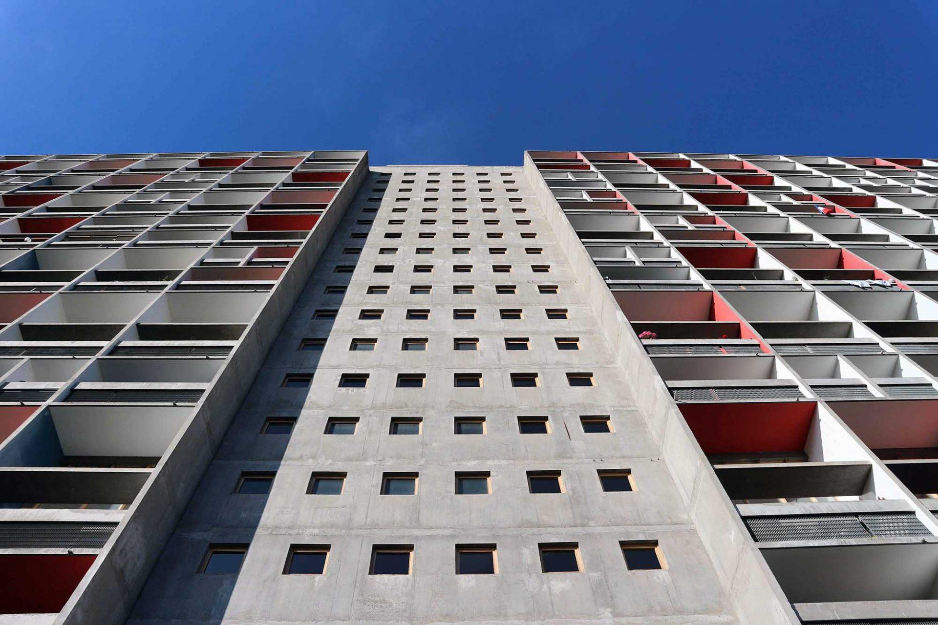 Unité d'Habitation. Alle Farben harmonieren auf eine natürliche Art. Jede Farbe kann mit jeder anderen Farbe kombiniert werden und haben eine architektonisch hohe Qualität in Bezug auf Farbbedeutung und Farbreichtum.