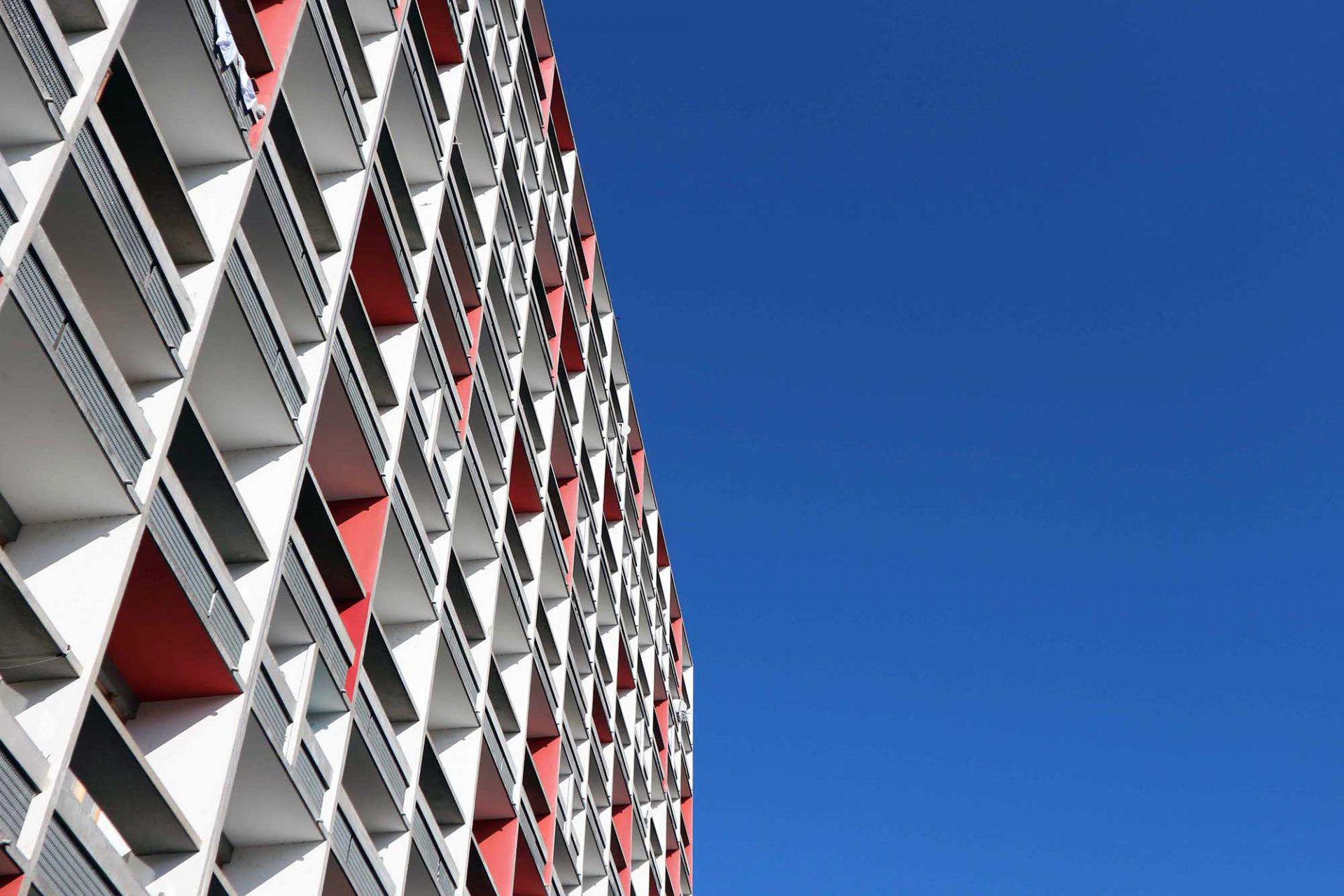 Unité d'Habitation. Das Farbsystem seiner Polychromie Architecturale umfasst 63 Farben aus 9 Farbgruppen.