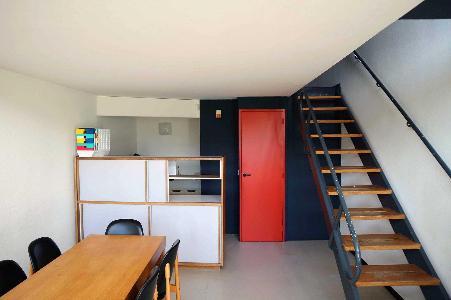Unité d'Habitation. Die vom Architekten Pierre Guariche und nach Le Corbusiers Vorgaben gestaltete Musterwohnung.