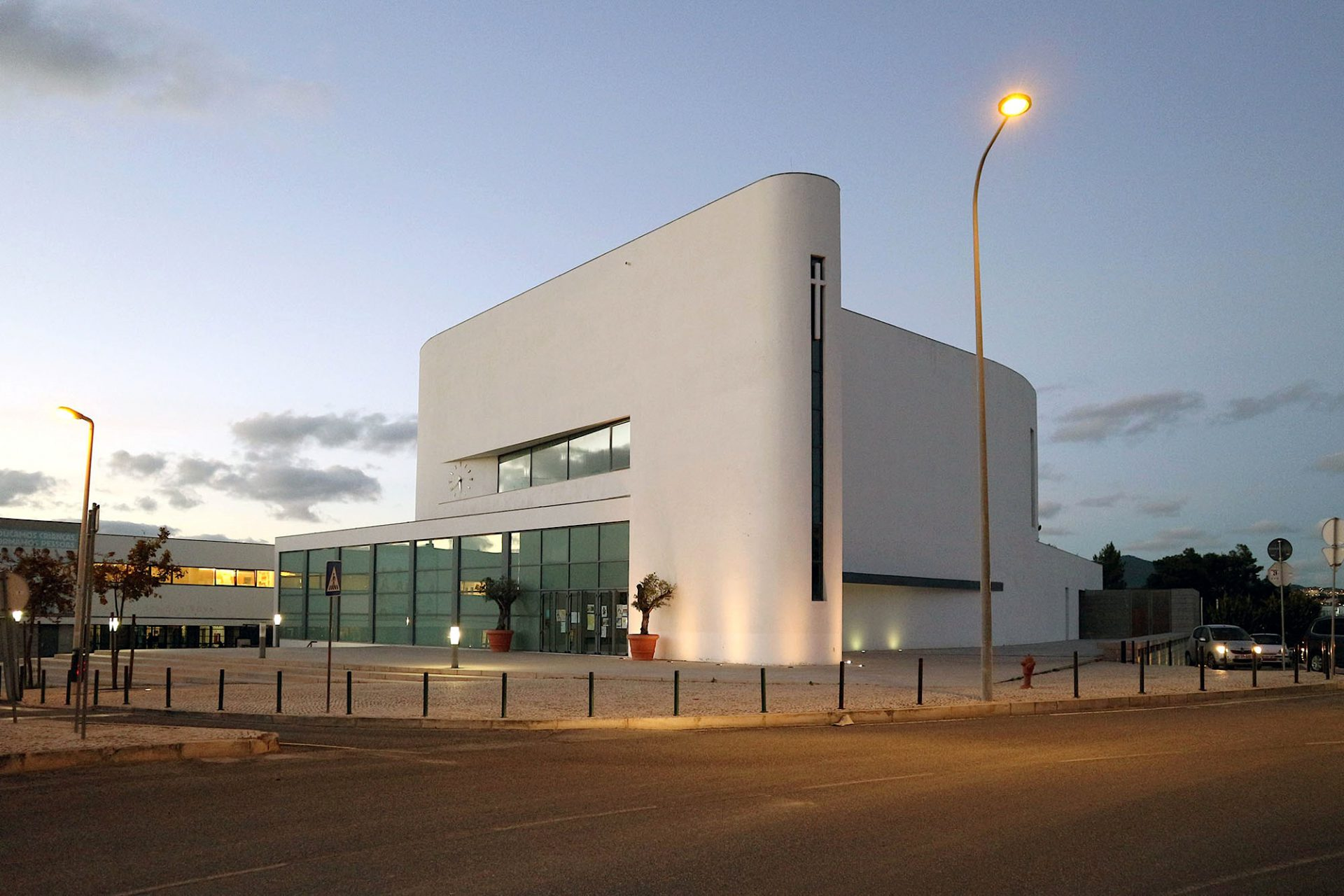 Kirche Senhora da Boa Nova. Entworfen von Roseta Vaz Monteiro, Fertigstellung 2009