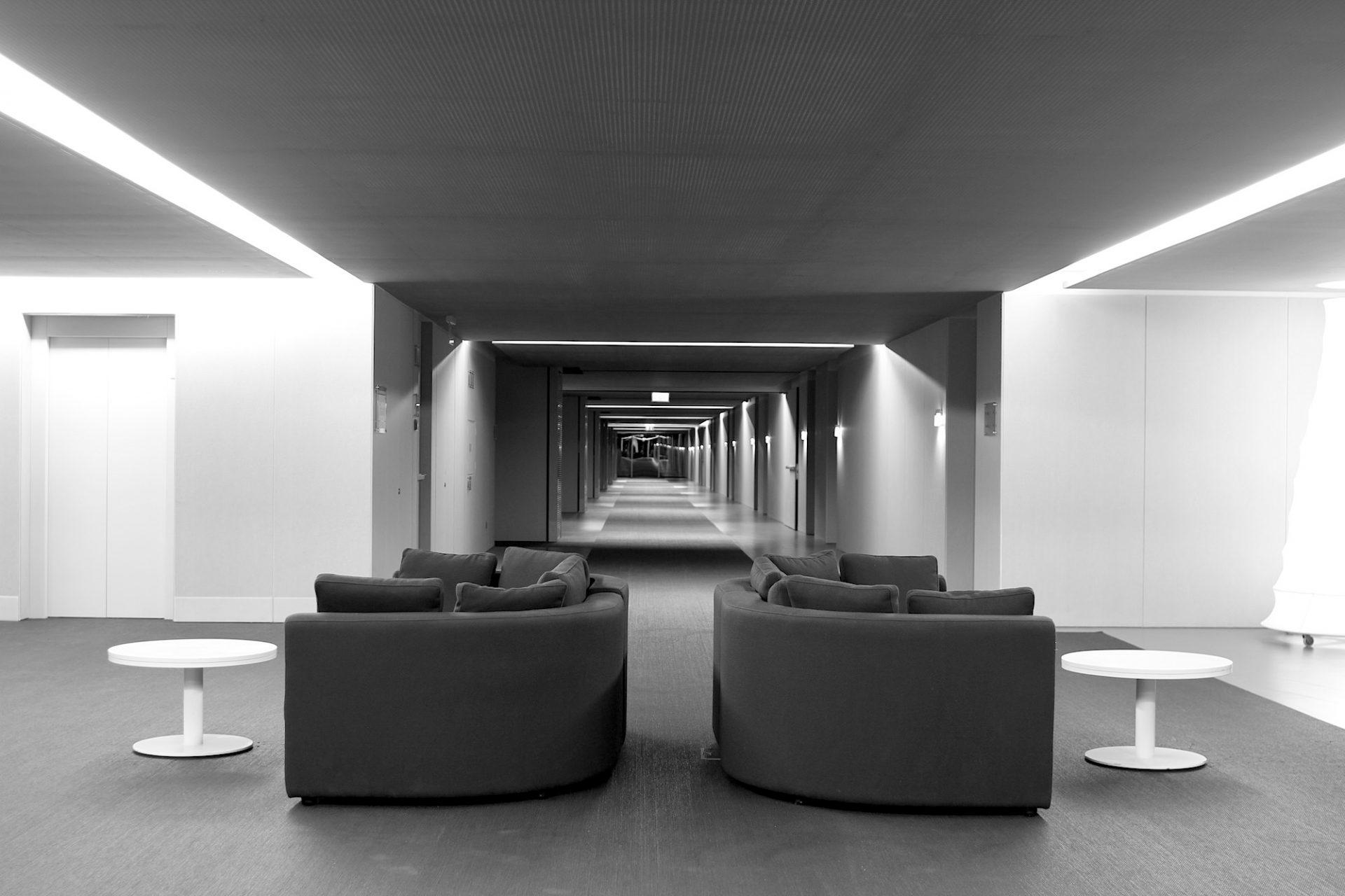 The Oitavos. Purismus pur auch in den drei Obergeschossen des Luxushotels. Seit den 1920ern gehört das Areal der einflussreichen Familie Champalimaud.