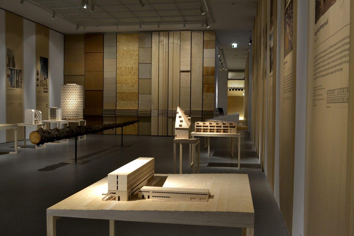 Bauen mit Holz. 52 ausgewählte internationale Beispiele wegweisender Holzarchitektur.