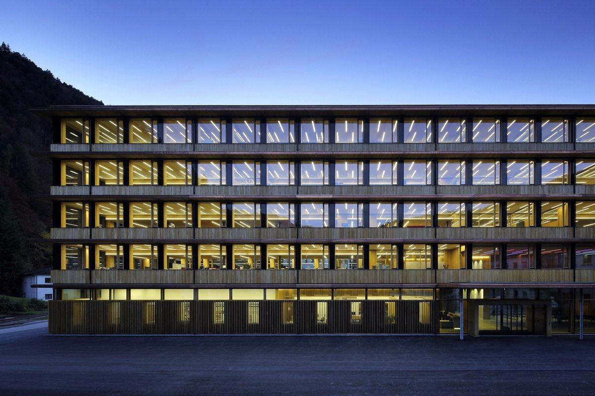 Illwerke Zentrum Montafon Vandas. Architekten Hermann Kaufmann ZT GmbH in Vandans, Österreich. Fertigstellung 2013.