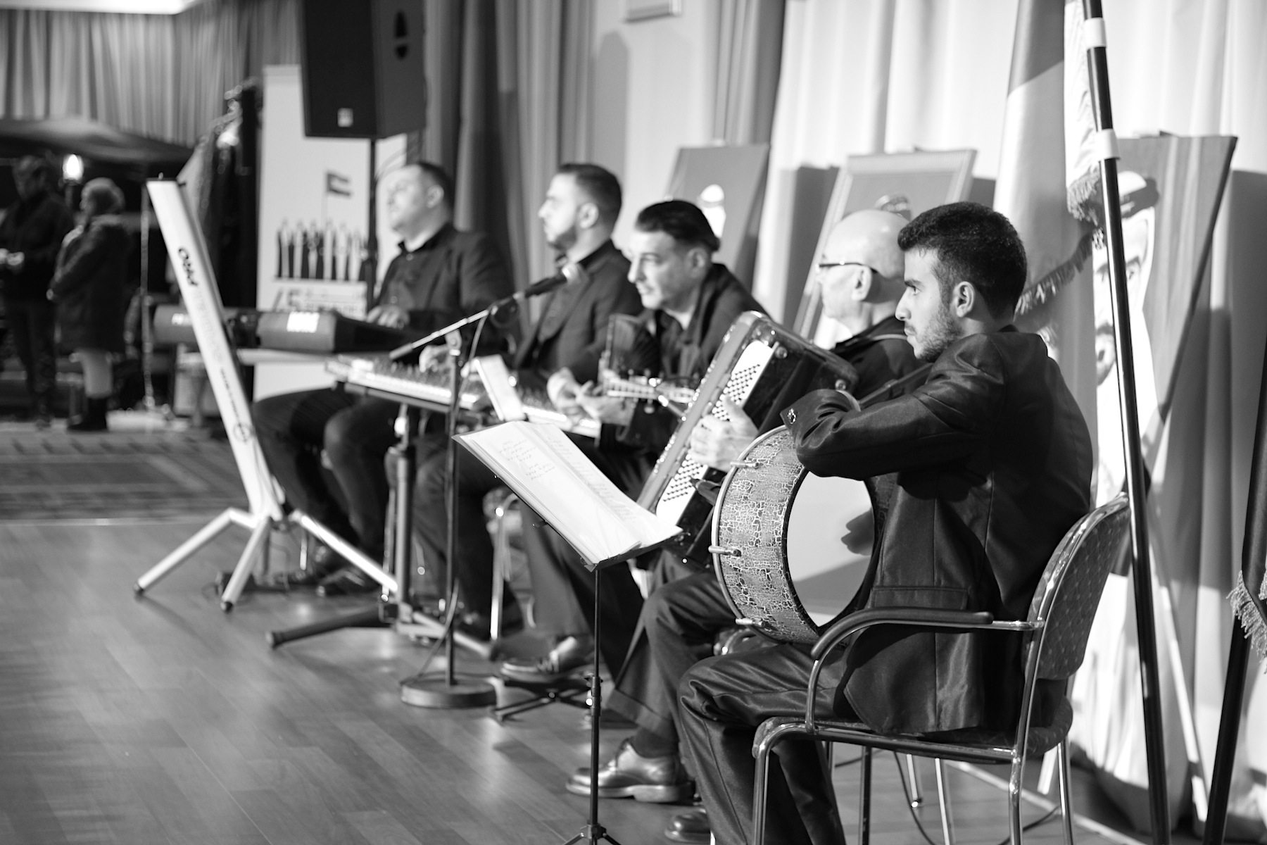Musik. Zum Nationalfeiertag des Landes kamen weit über 500 Gäste aus Politik, Kultur und dem Diplomatenbetrieb, musikalisch untermalt.