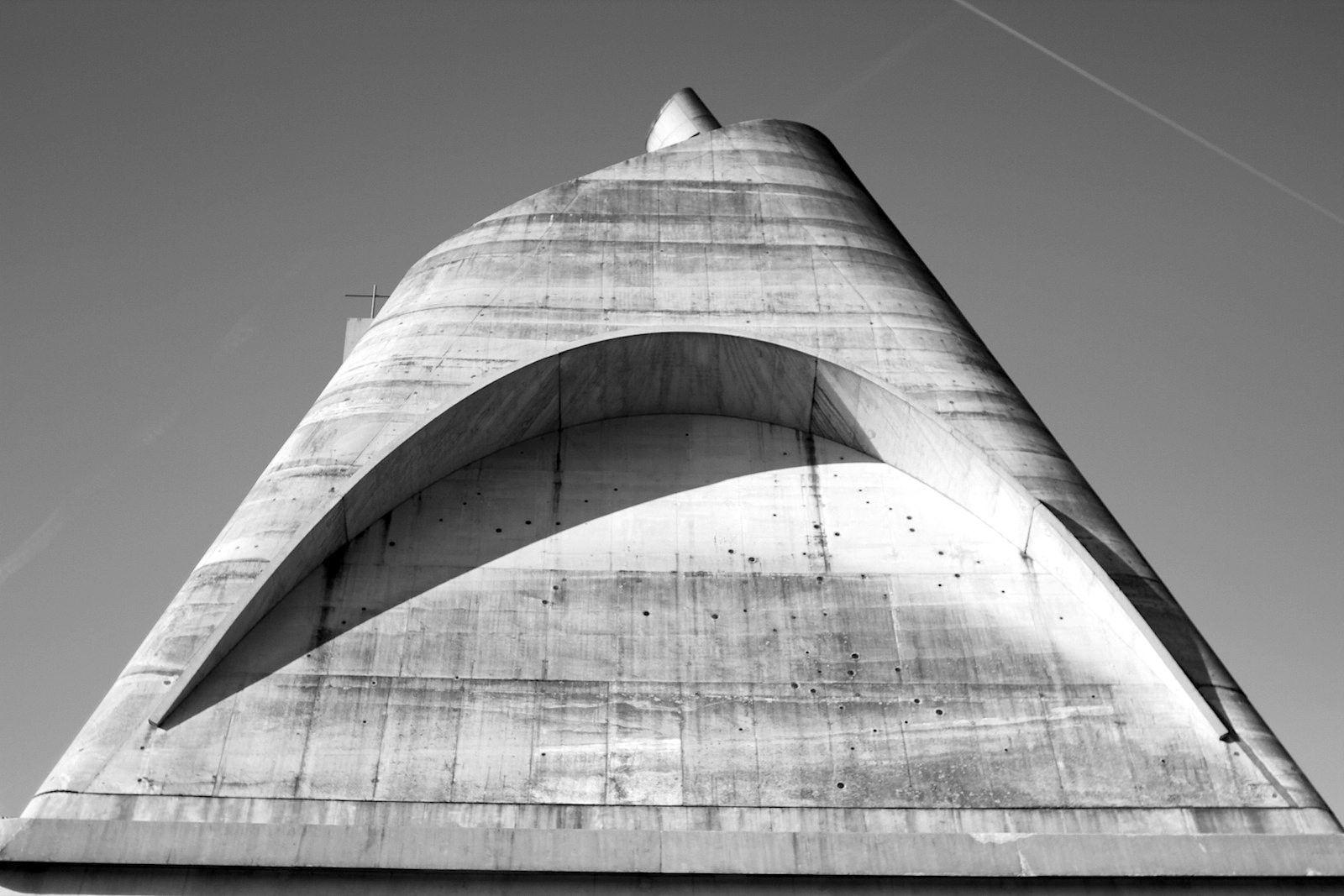 """L'église Saint-Pierre.  """"Firminy bildet jetzt den wichtigsten Werkkomplex Le Corbusiers in Europa"""", so Jean-Louis Cohen, Historiker und Kenner von Le Corbusiers Arbeiten."""