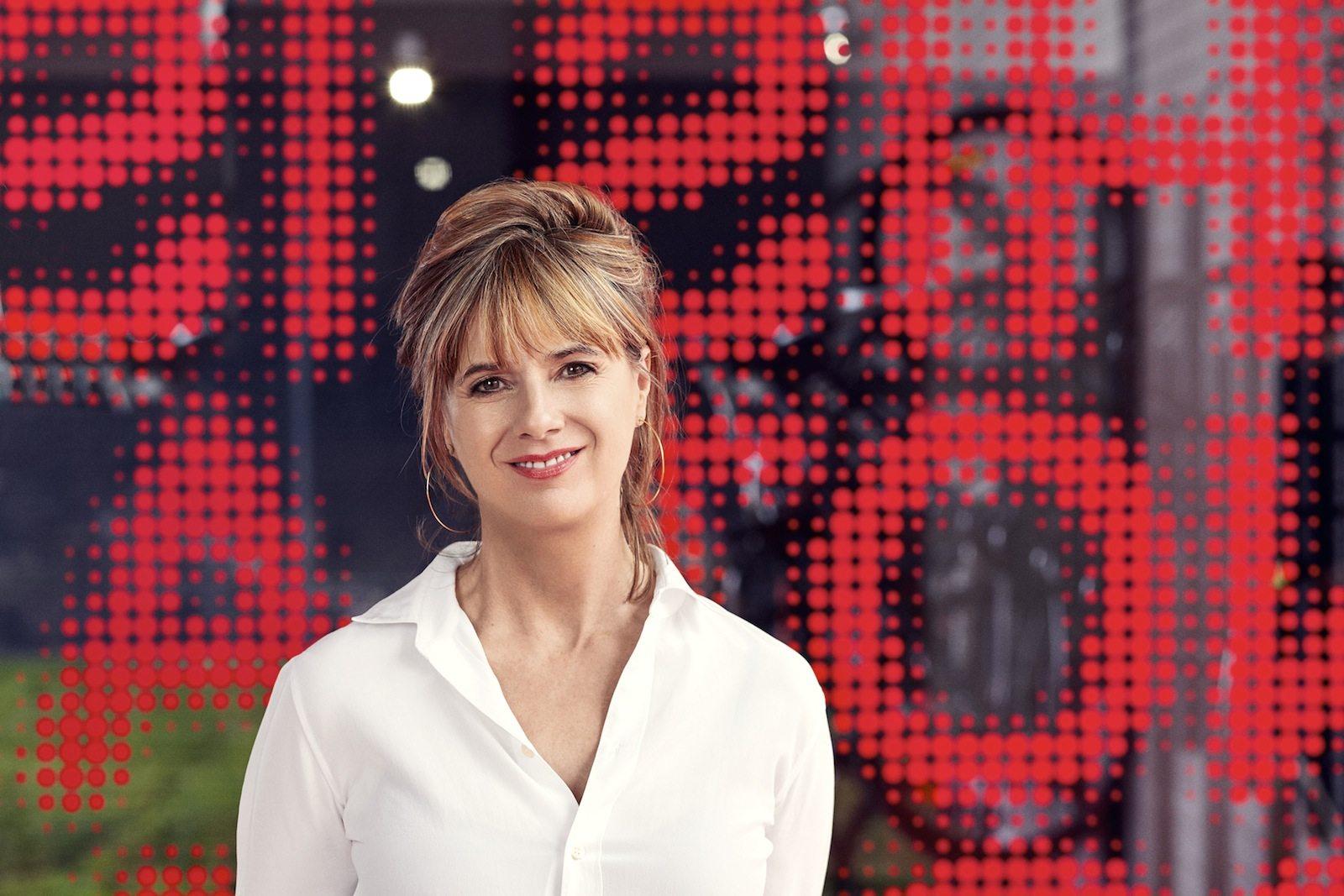 Amanda Levete.  Die Architektin wurde 1955 in Bridgend, Wales, Großbritannien, geboren. Sie studierte an der Londoner Architectural Association School of Architecture und arbeitete nach ihrem Abschluss bei Architekten wie Alsop & Lyall und YRM Associates. 1989–2008 war sie Partnerin in dem von ihrem späteren Ehemann Jan Kaplický gegründeten Architekturbüro Future Systems. 2009 gründete sie ihre eigene Firma AL_A.