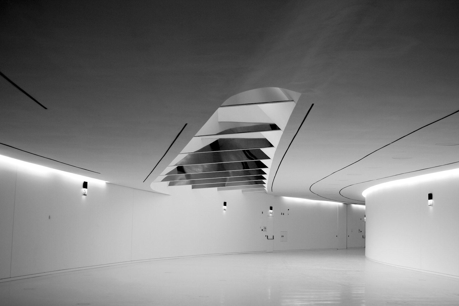 MAAT.  Gang im unterirdischen Bereich des Museums.