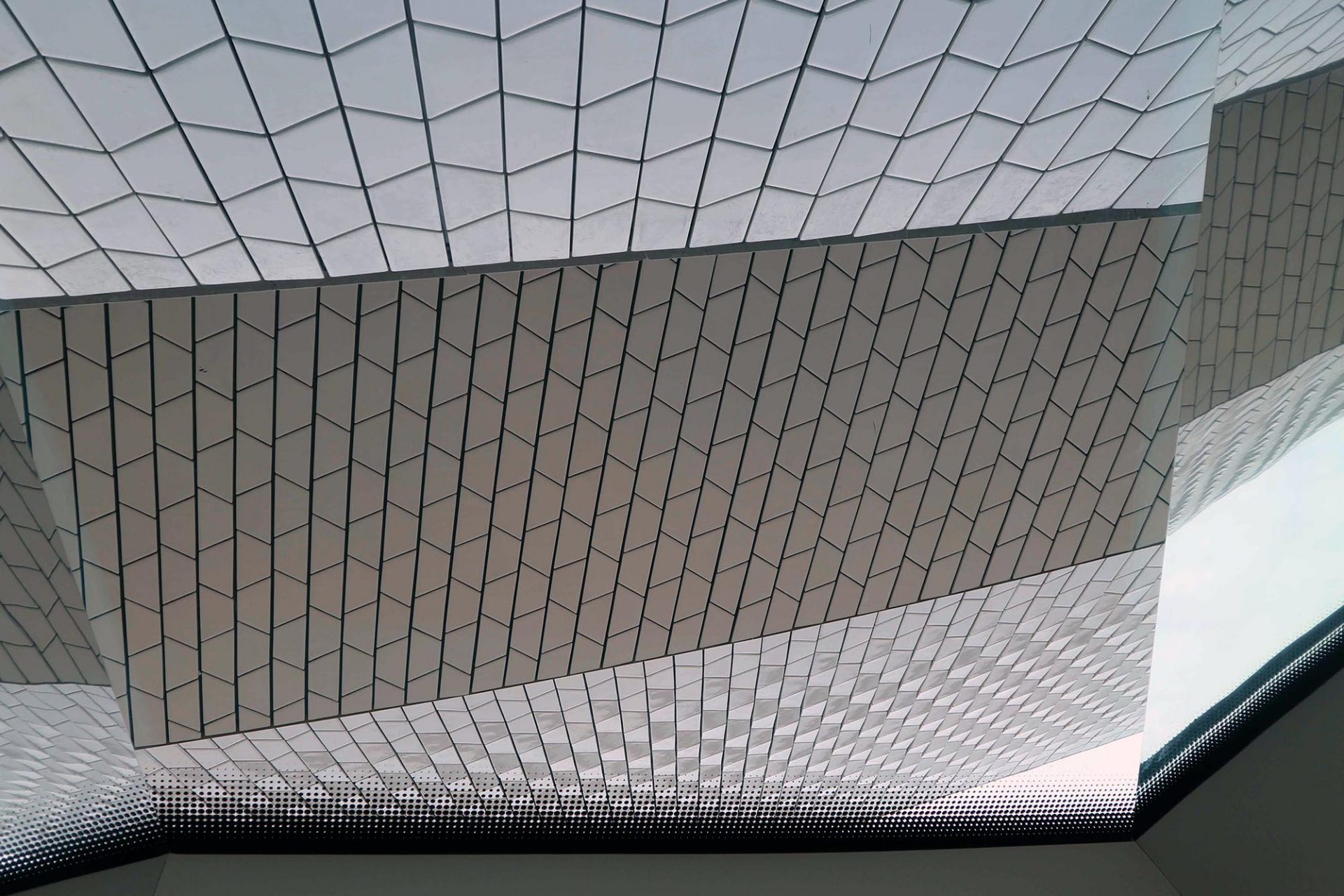 MAAT.  Die Plastizität der Fassade eröffnet spannende Formen- und Perspektivenspiele.