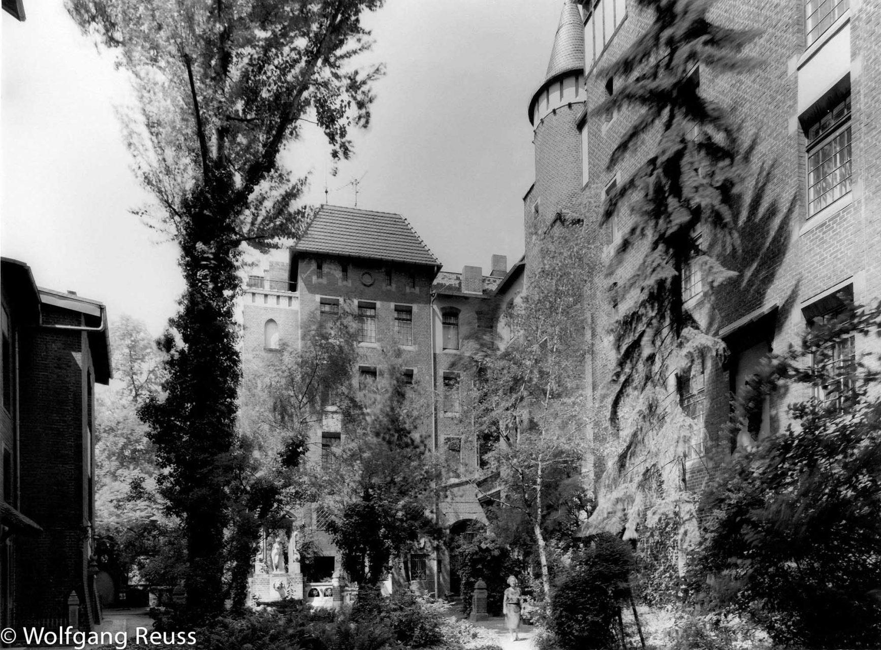 Künstlerhaus zum St. Lukas an der Fasanenstraße. Bauten des Historismus, zweite Hälfte des 19 Jahrhunderts.