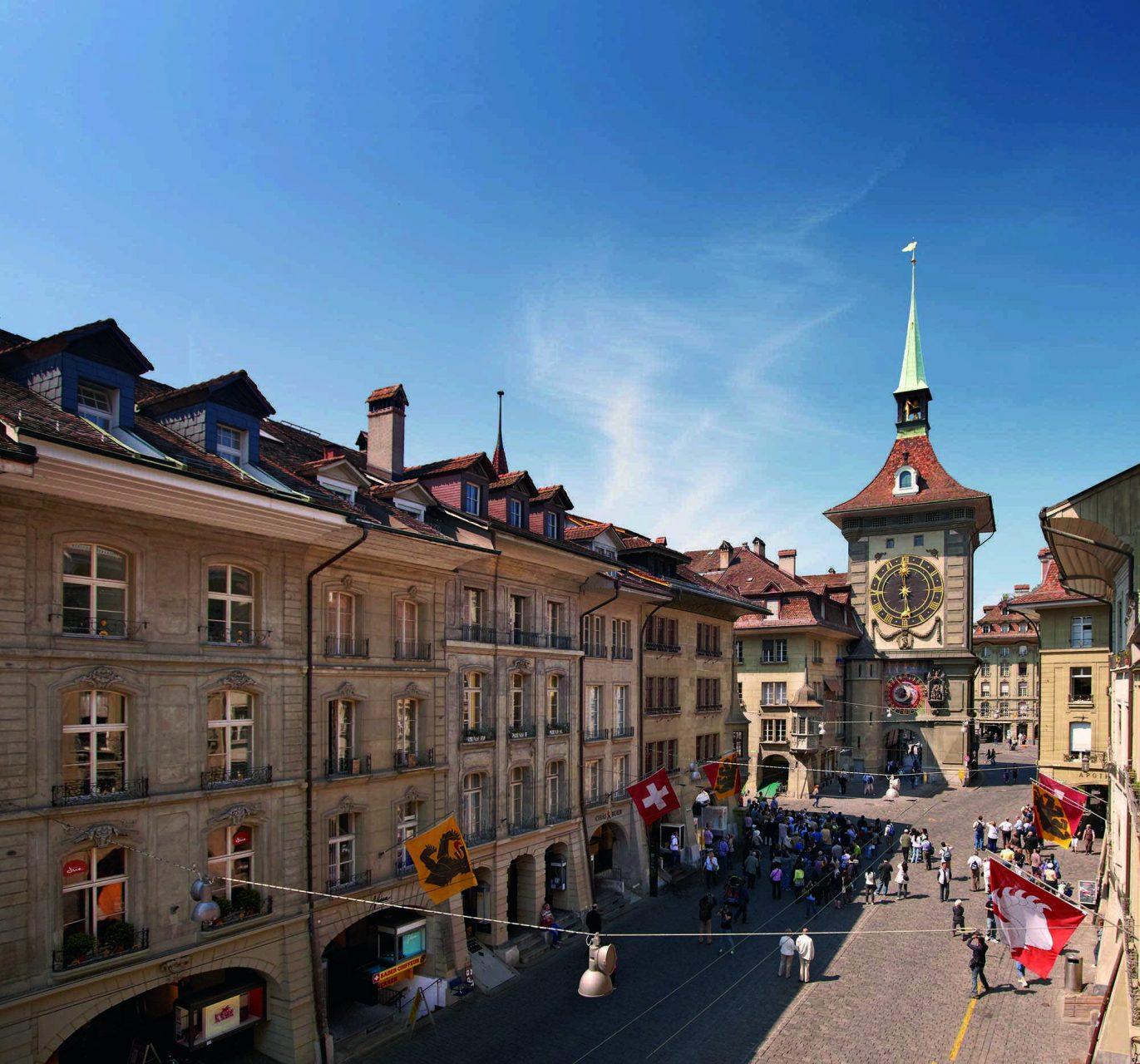 Wahrzeichen. Der Zytglogge (Zeitglockenturm) ist das erste Stadttor.