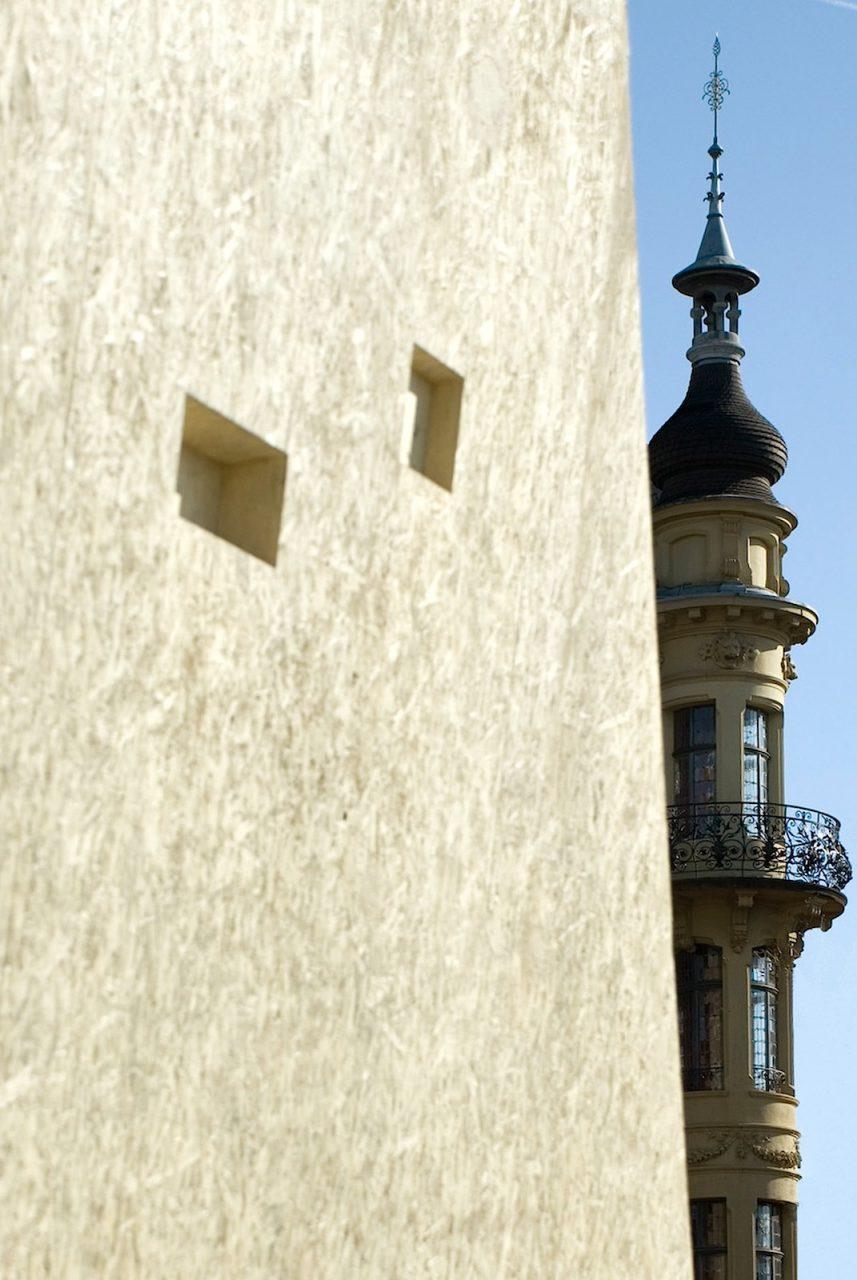 Skulptur. Der von den Bieler Architekten :mlzd entworfene skulpturale Bau wurde 2009 eröffnet.
