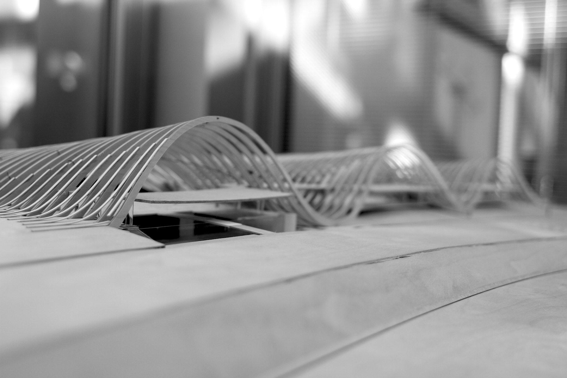Zentrum Paul Klee. Eine 150 Meter lange Museumsstraße im Erdgeschoss verbindet Ausstellung, Auditorium und Kindermuseum.
