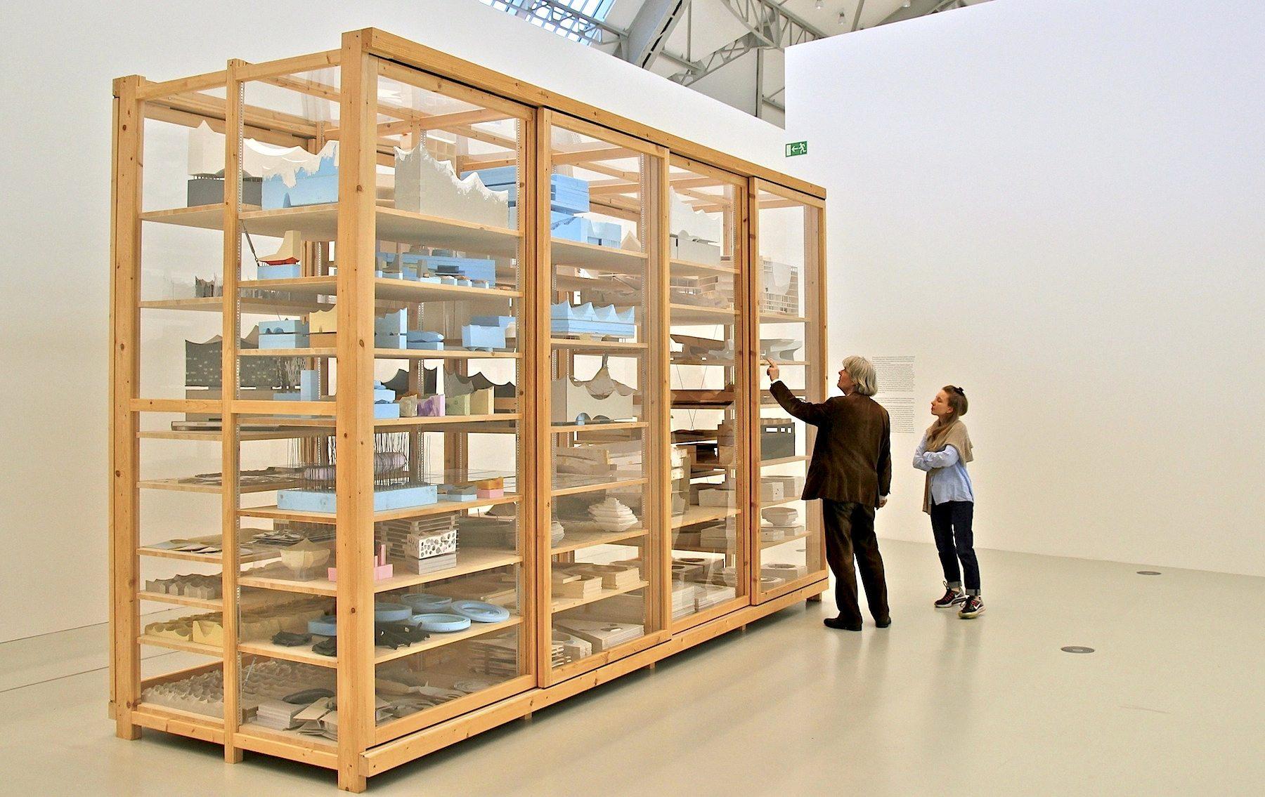 Elbphilharmonie revisited. Anlässlich der Eröffnung der Elbphilharmonie zeigen die Deichtorhallen Hamburg eine Ausstellung, die noch bis zum 1. Mai 2017 in der Halle für aktuelle Kunst der Deichtorhallen zu sehen sein wird.