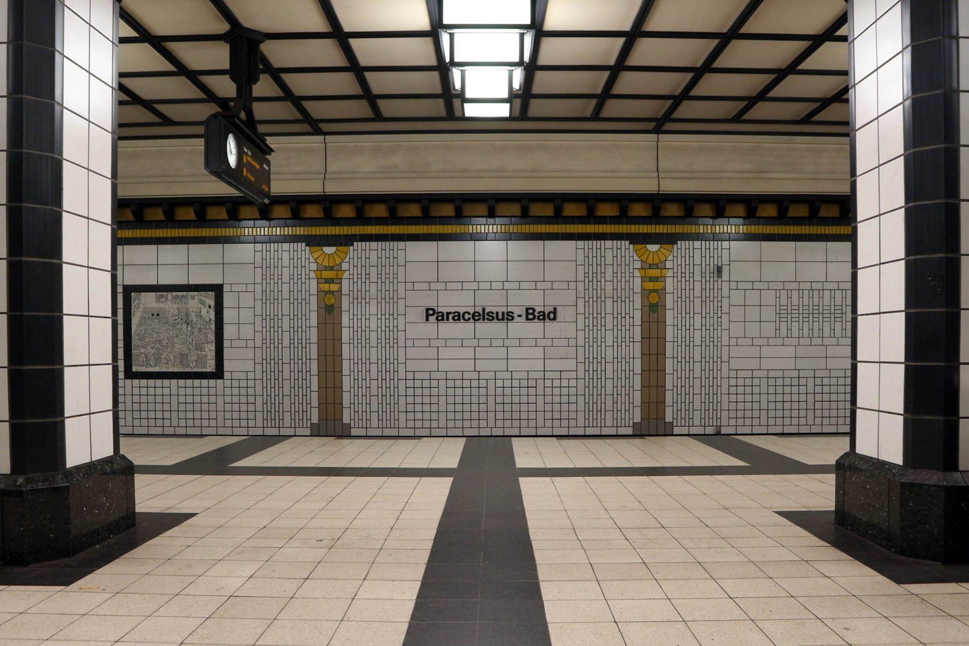Paracelsusbad. Die Station trägt den Namen des Arztes, Alchemisten, Astrologen, Mystikers und Philosophen Philippus Theophratus Aureolus Bombastus von Hohenheim, besser bekannt als Paracelsus.