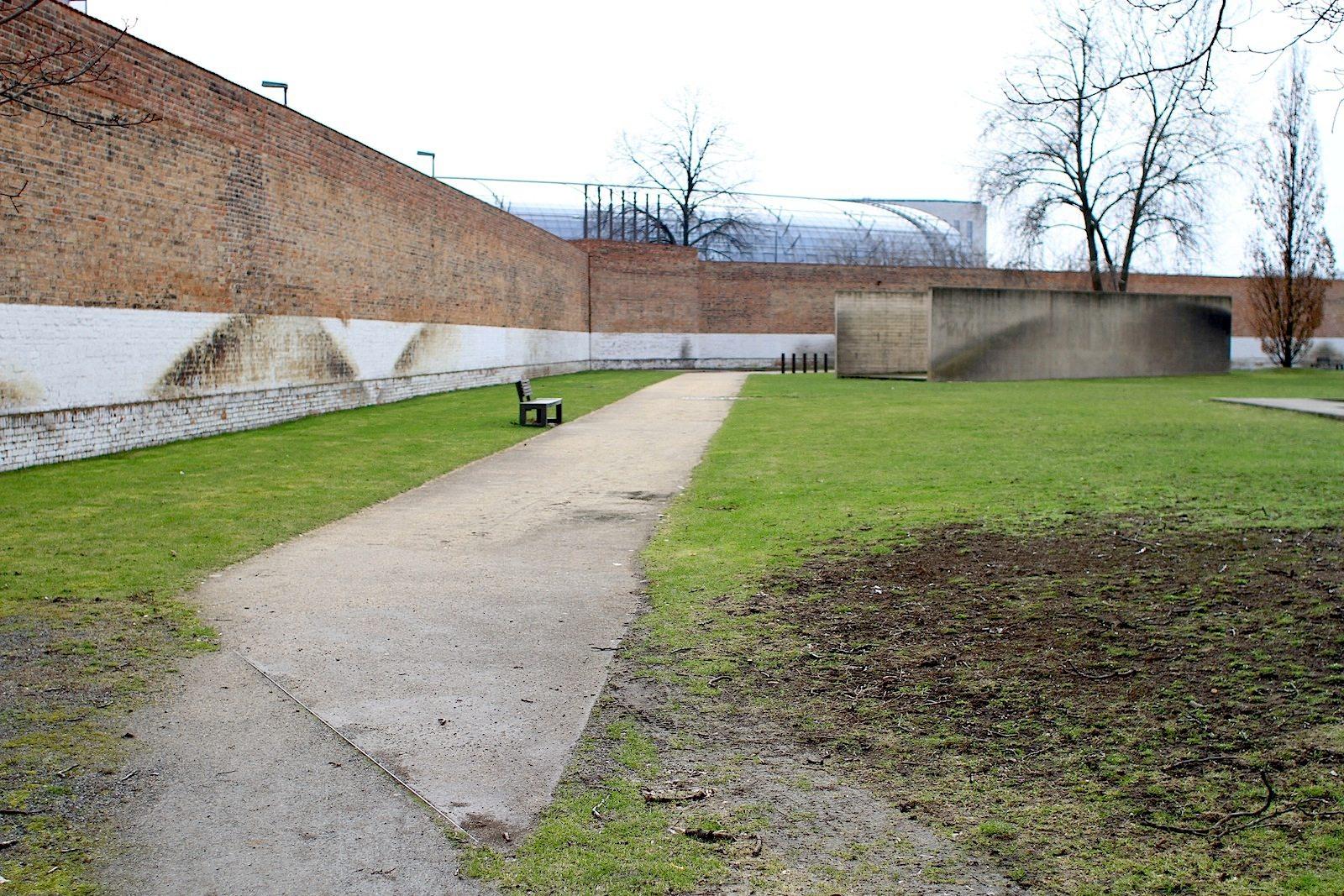 """Inszenierung.  """"Die Inszenierung von Gärten und Parks schafft Bühnenbilder in denen die Nutzer ihr eigenes Theaterstück spielen"""", so die Landschaftsarchitekten glaßer und dagenbach"""