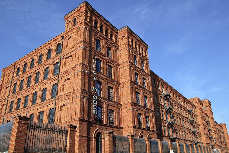 Big Business. Das Stoffimperium, das Izrael Poznański in der zweiten Hälfte des 19. Jahrhunderts schuf, hat prachtvolle Industriebauten hinterlassen. Sie zu bewahren gelang mit Hilfe privater Investoren, die 200 Millionen Euro in die Hand nahmen, um Polens größtes Einkaufs- und Erlebniszentrum Manfaktura her zu richten.