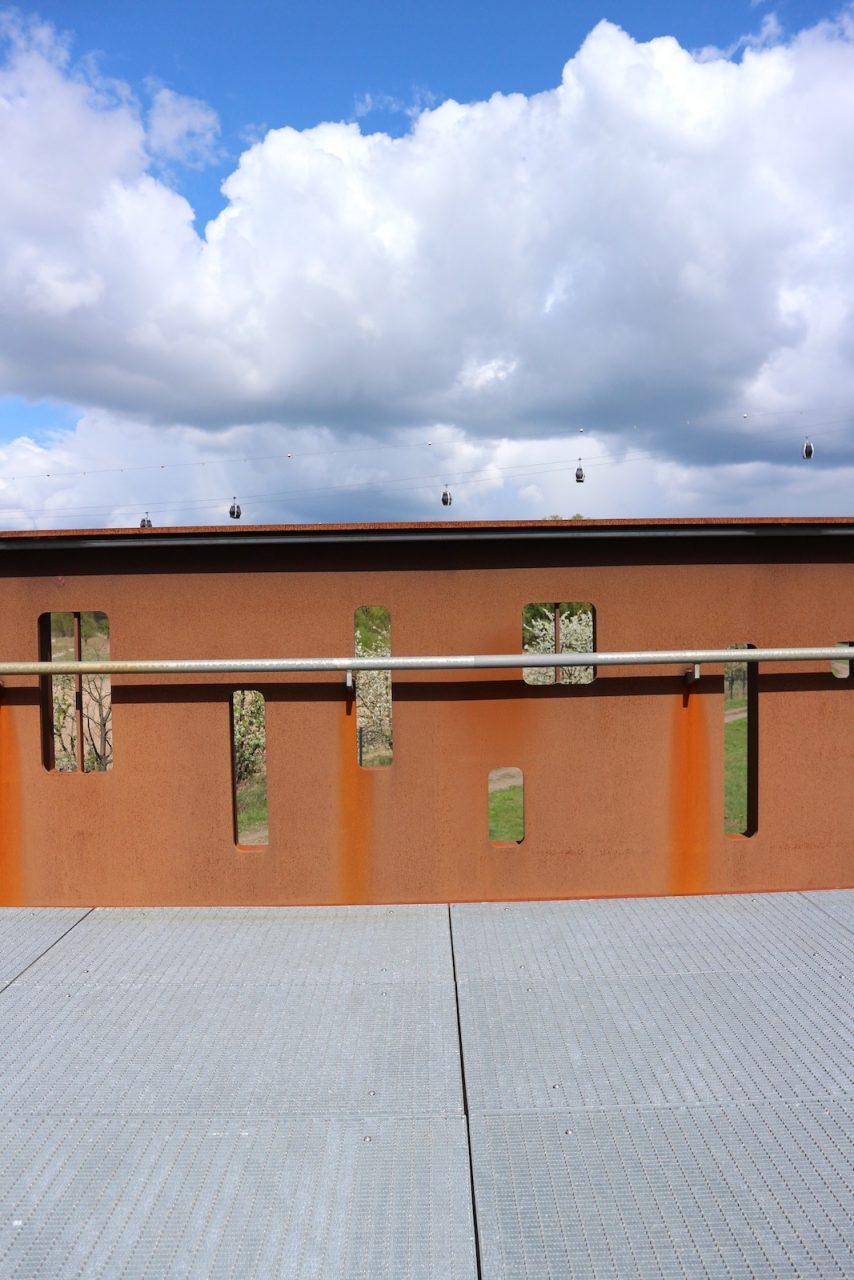 stahlwolken und bambusvisionen berlin deutschland the link auf reisen mit architektur. Black Bedroom Furniture Sets. Home Design Ideas