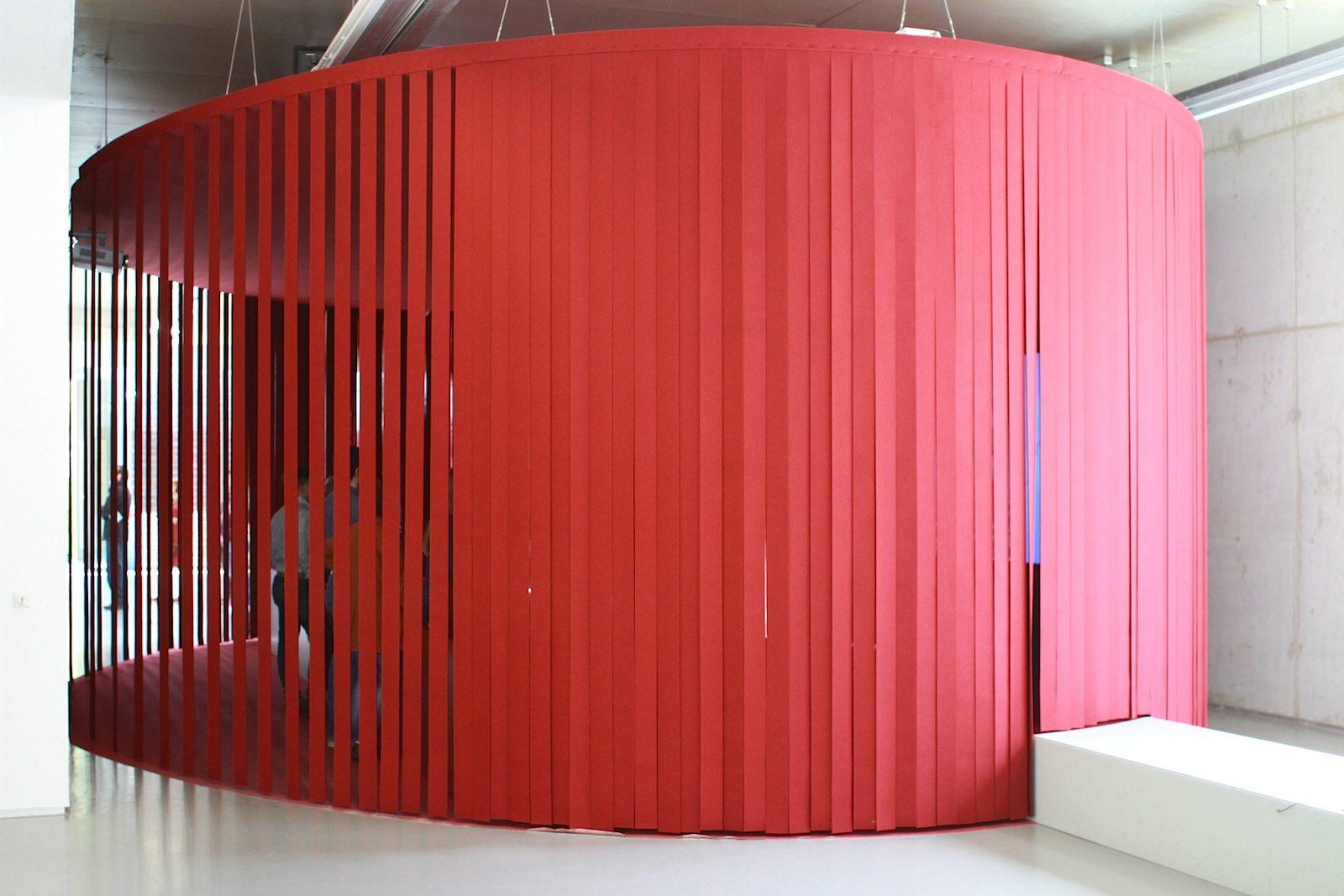 "Museum Boijmans van Beuningen.  Der Filmraum der ""Mad About Surrealism""-Ausstellung."
