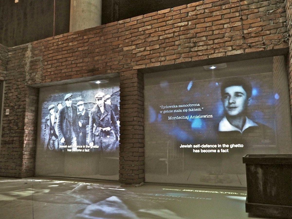 Warschauer Aufstände. Die 63 Tage des Kampfes der polnischen Heimatarmee im Sommer 1944 feiert das Museum des Warschauer Aufstands in der Hauptstadt ganz im Sinne der nationalistischen PiS-Regierung: als heroisch, märtyrerhaft und katholisch. An die vier Wochen Aufstand im jüdischen Ghetto mehr als ein Jahr zuvor erinnert das Museum des Zweiten Weltkriegs mit einem anderen Akzent: dem Bewahren der Würde.