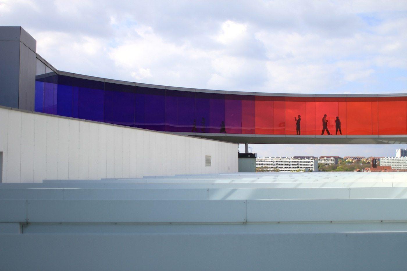 ARoS.  Die Your rainbow panorama-Installation von Olafur Eliasson ...