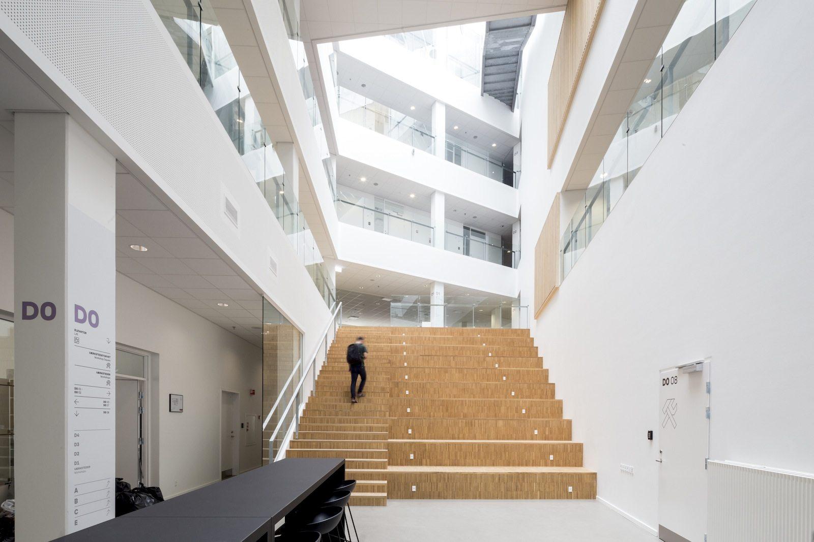 VIA University College Aarhus. Arkitemas Ansatz ist funktional und ...