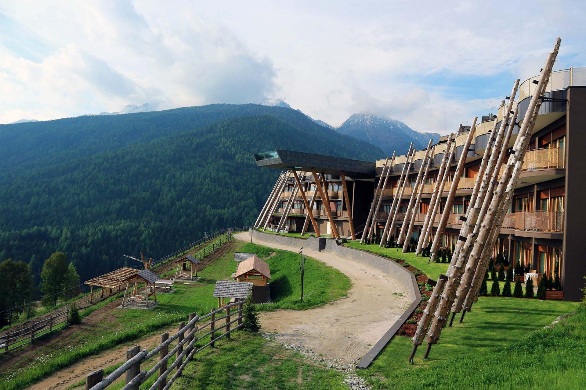 """Eins werden mit der Landschaft"""" - Bozen, Italien - THE LINK – Stadt ..."""