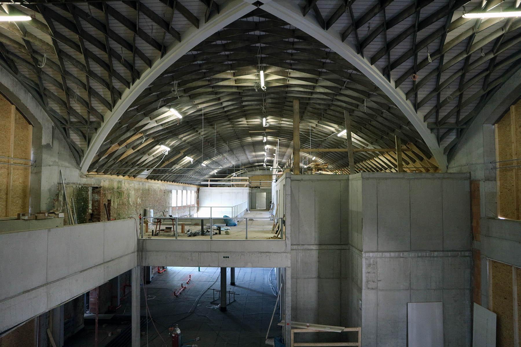 Marinaforum. Eine Vierung der Zollingerdecke mit Beton-Einbauten.