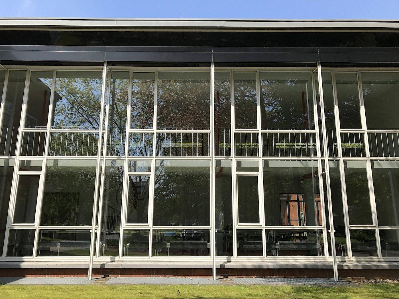 Grimme-Institut. Transparenz, Leichtigkeit und die gelungene Mischung aus Glas, Stahl und Klinker machen den Bau aus, der 2005 saniert wurde.