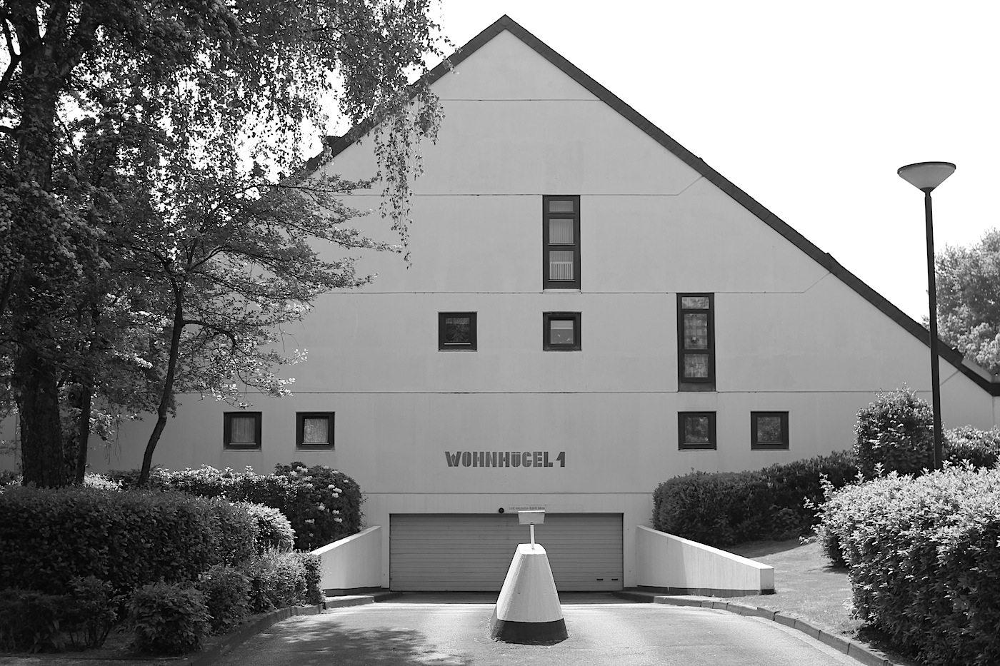 Wohnhügel 1. Im Kreuzviertel. Erstmals wurde ein Haustyp umgesetzt, bei dem die Grundfläche nach oben hin abnimmt ...