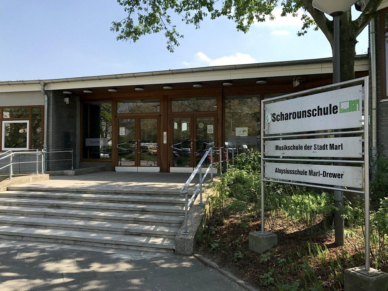 Scharounschule. Von Hans Scharoun entworfen, seit 2004 denkmalgeschützt und 2015 saniert.