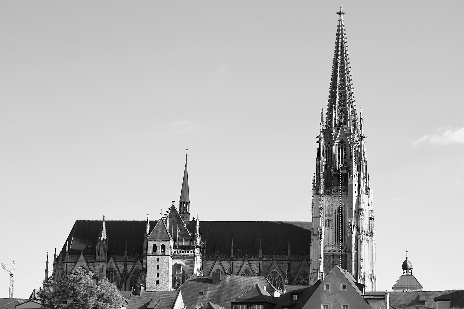 Hauptwerk. Bedeutendste Kirche der Stadt und Kathedrale des Bistums Regensburg.