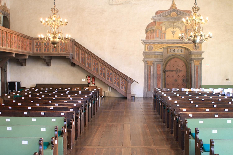Bedeutung.  Der Reichssaal mit erhaltener Holzdecke, Dekorationsmalerei des 16. Jahrhunderts und Kaiserthron.