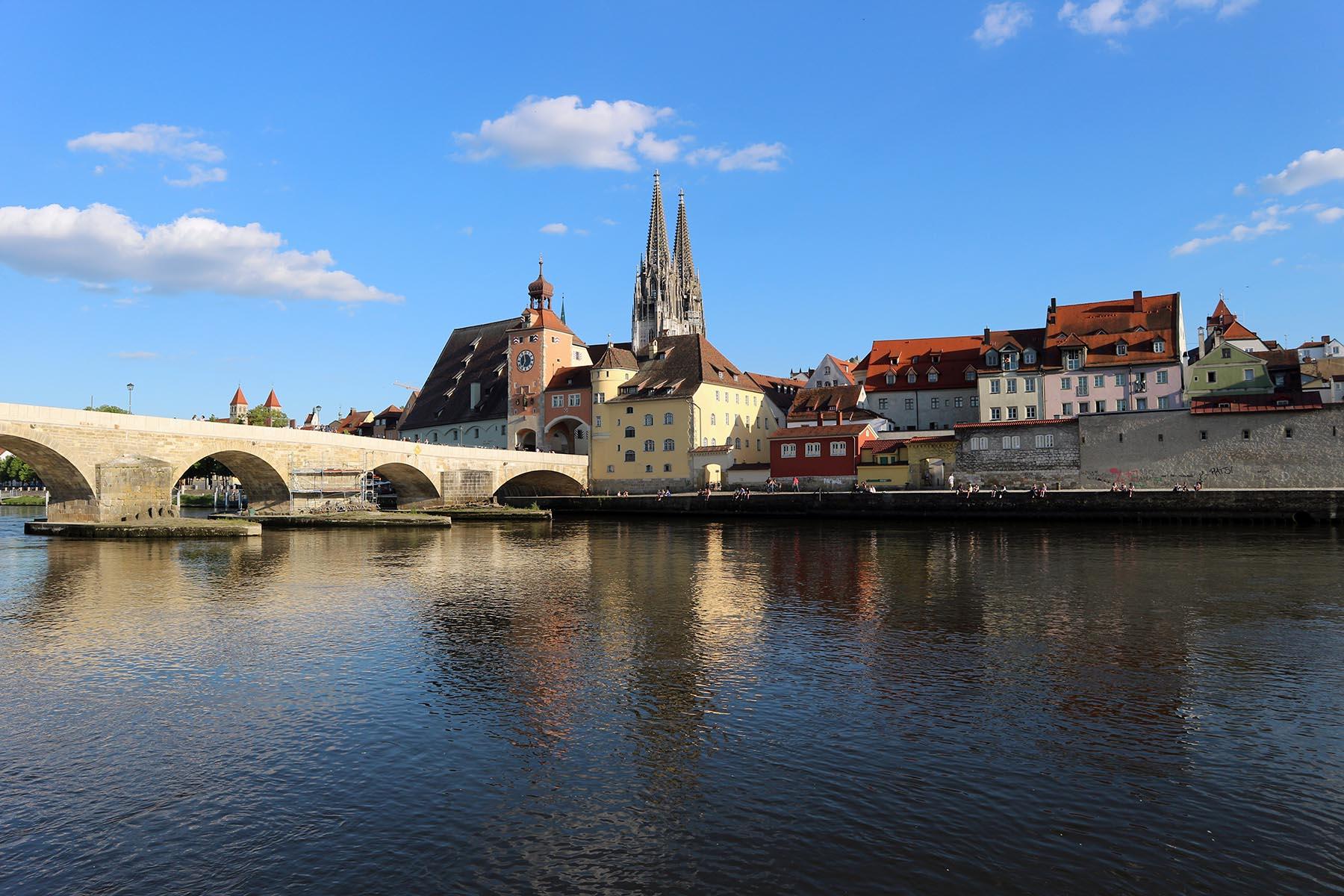 Pracht.  Manche Städte müssen sich mit ihrem Canaletto-Blick aufblähen. Regensburg braucht das nicht.
