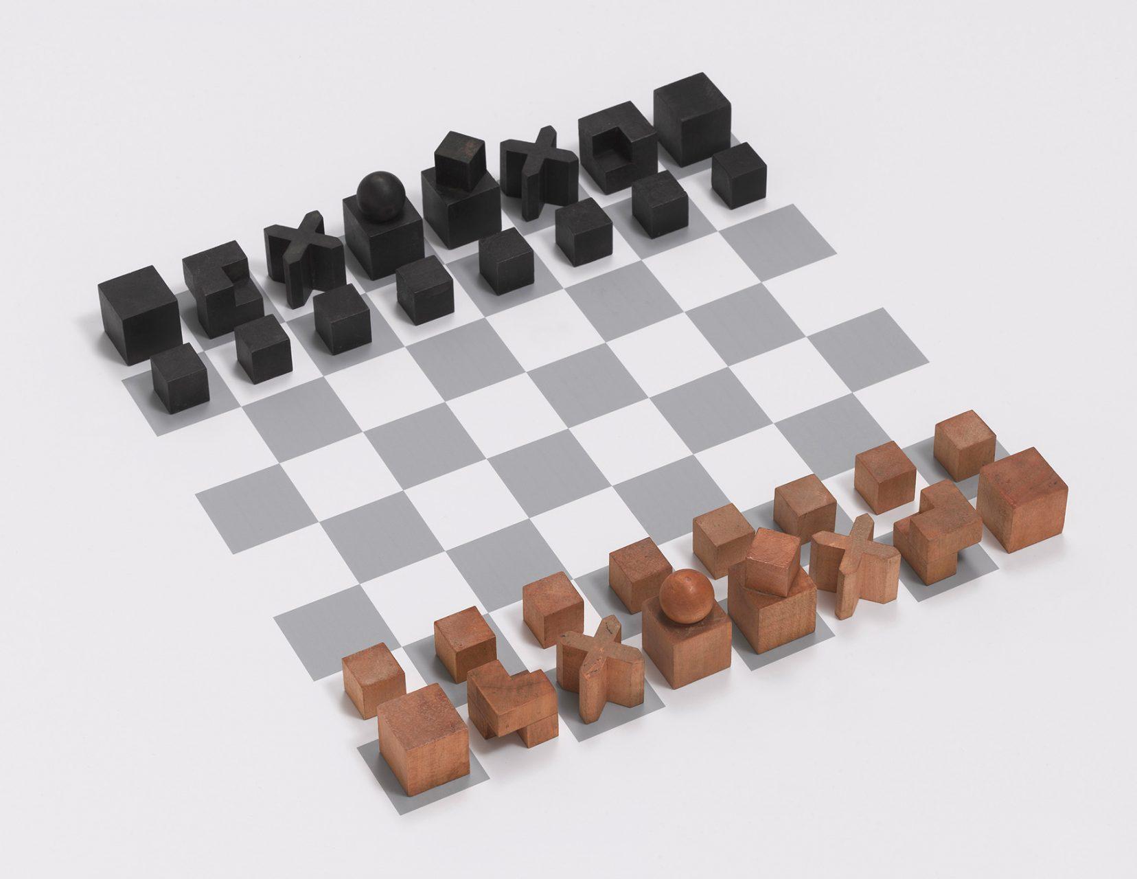 Josef Hartwig. Schachspiel, Modell Nr. XVI, 1924, Birnbaumholz, unbehandelt und gebeizt, Produziert vom Bauhaus, Weimar, New York, The Museum of Modern Art, Schenkung von Alfred H. Barr Jr.