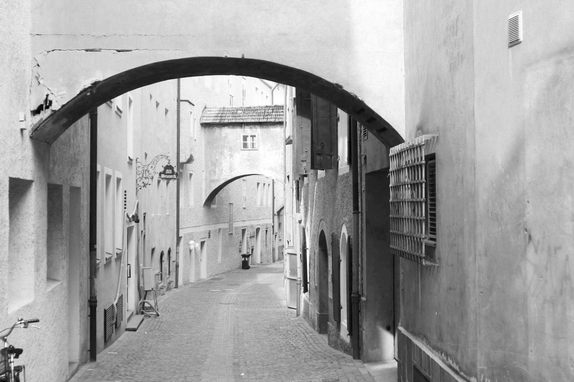Bruneck.  Altstadt mit ursprünglich nur neunzig Häusern in zwei Reihen.