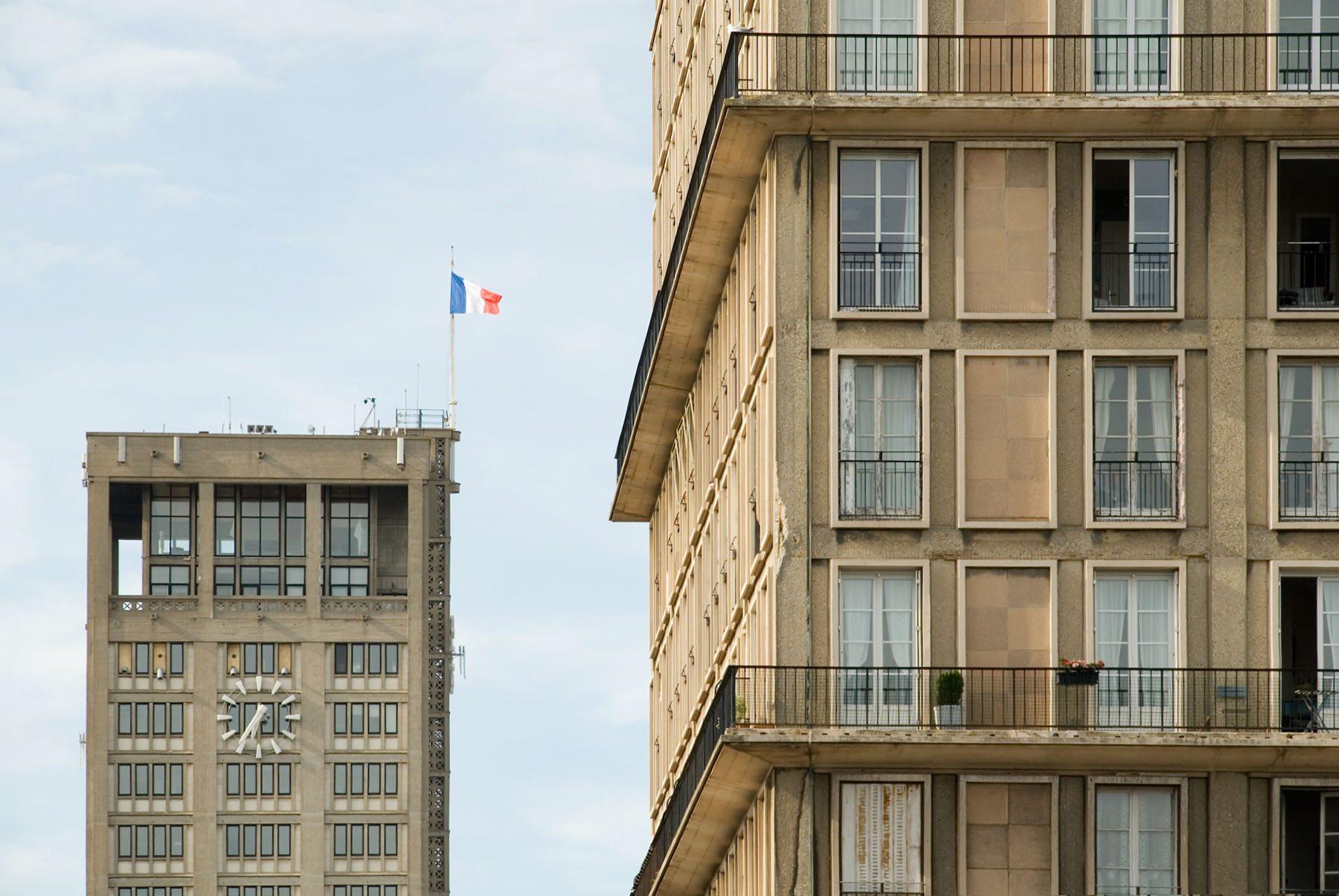 Hôtel-de-Ville du Havre. Alle Bauten des monumentalen Dreiecks folgen einem streng modernen übergeordneten Leitbild.