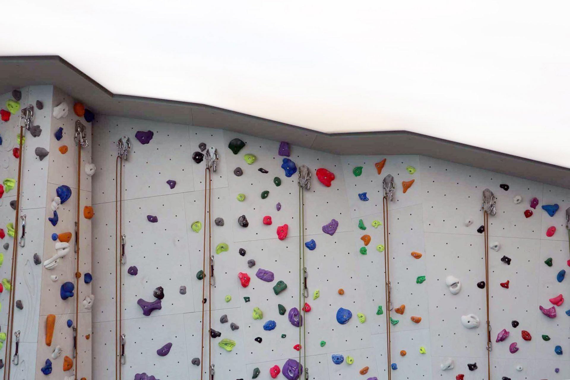 Schulboulder- und Kletterhalle