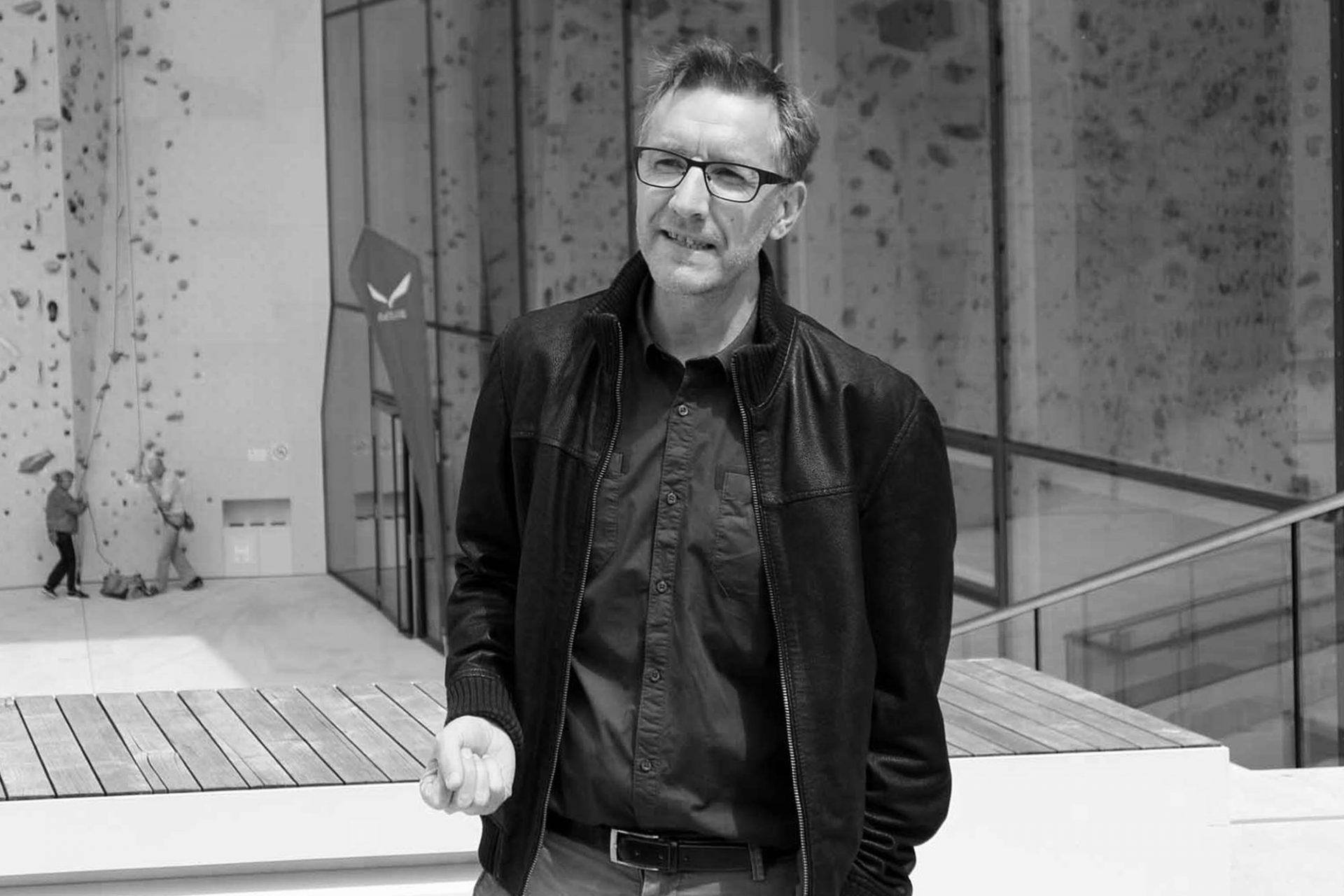 Kletterzentrum Bruneck. Im Gespräch mit Helmut Stifter von Stifter + Bachmann Architekten. Das in Pfalzen, Südtirol ansässige Büro wurde 1999 gegründet.