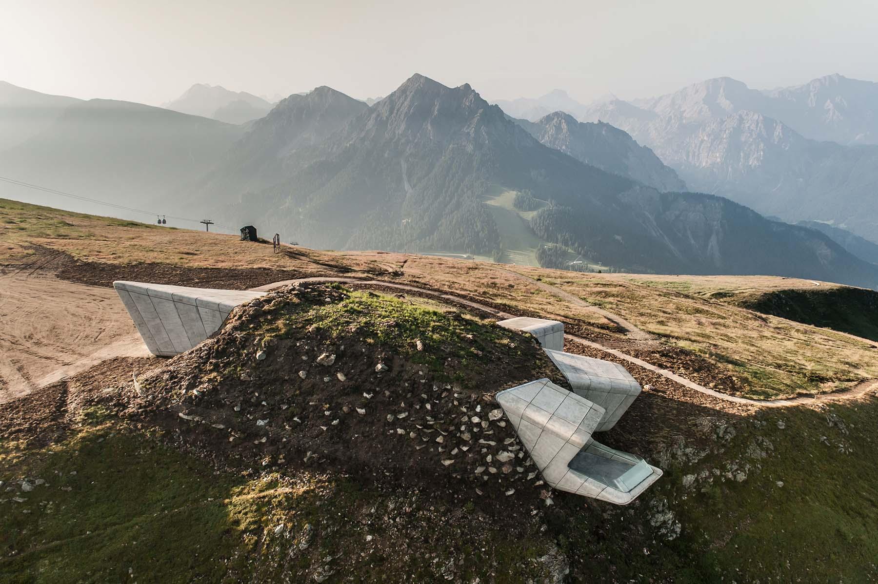 Messner Mountain Museum am Kronplatz.  von Zaha Hadid Architects