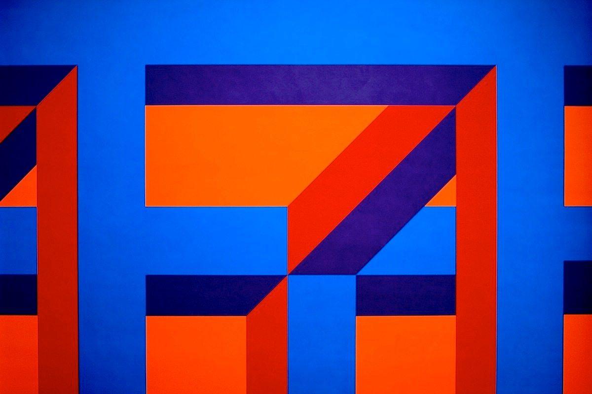 """Gemeentemuseum.  """"Isometric Forms"""" (2002) von Sol LeWitt (1928–2007)."""