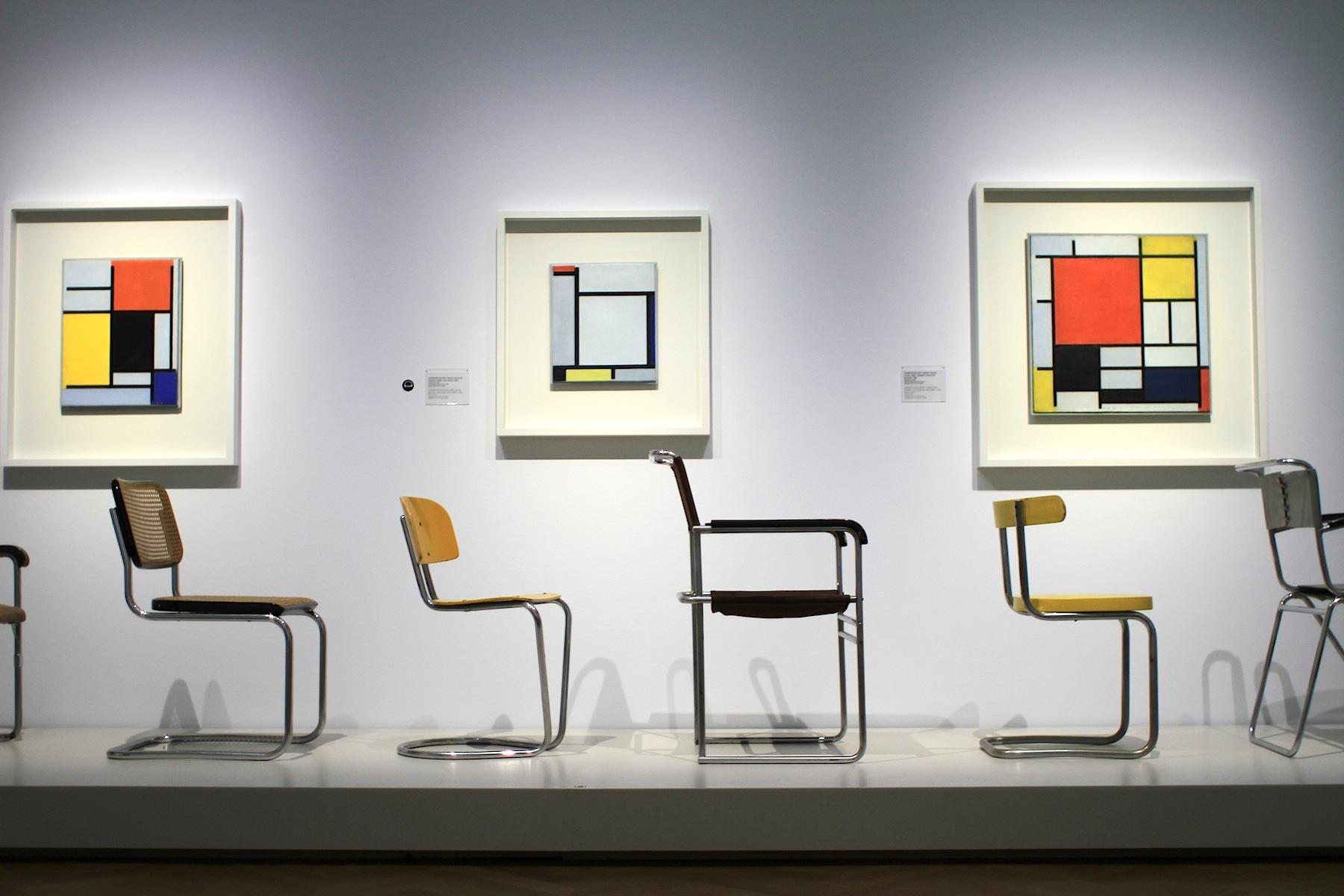 """Gemeentemuseum. Die Ausstellung """"Die Entdeckung von Mondrian"""": 3. Juni 2017– 24. September 2017. Sie zeigt die wichtigen vier Stationen im Leben und Schaffen von Piet Mondrian (1872-1944): Amsterdam, Paris, London, New York."""