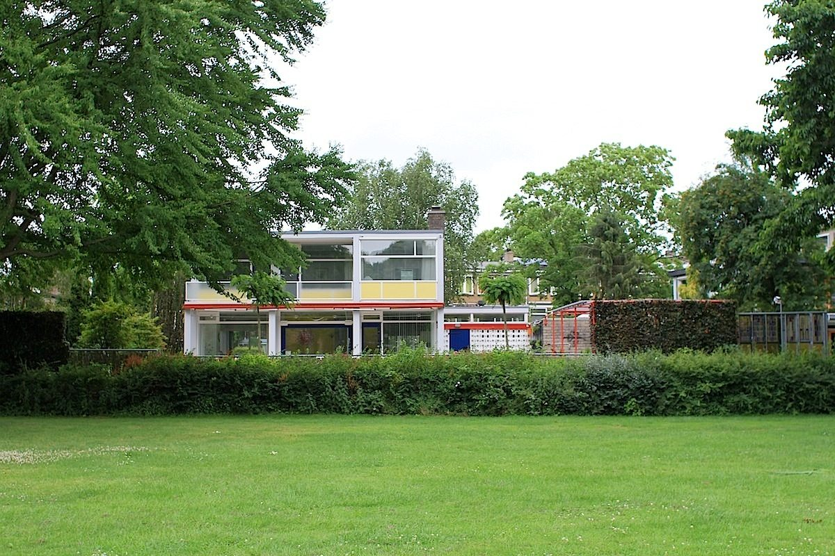 Huis Theissing, 1959.  Für das aus verschiedenen Betonblöcken zusammengesetzte Haus verwendete Rietveld die großformatigen B2-Betonblöcke.