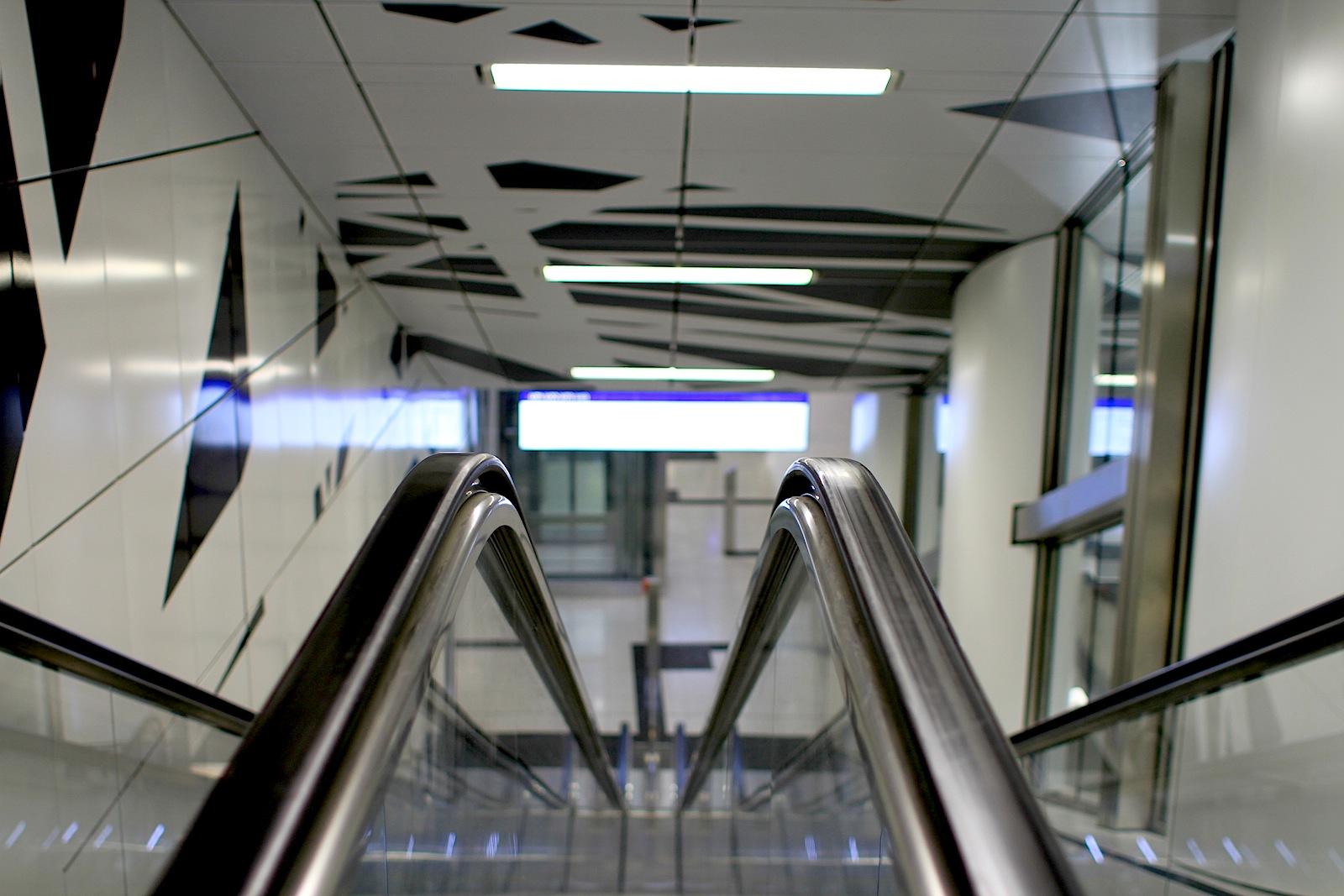 Station Pempelforter Straße. Für die Installation hat Heike Klussmann den Bahnhof vermessen ...