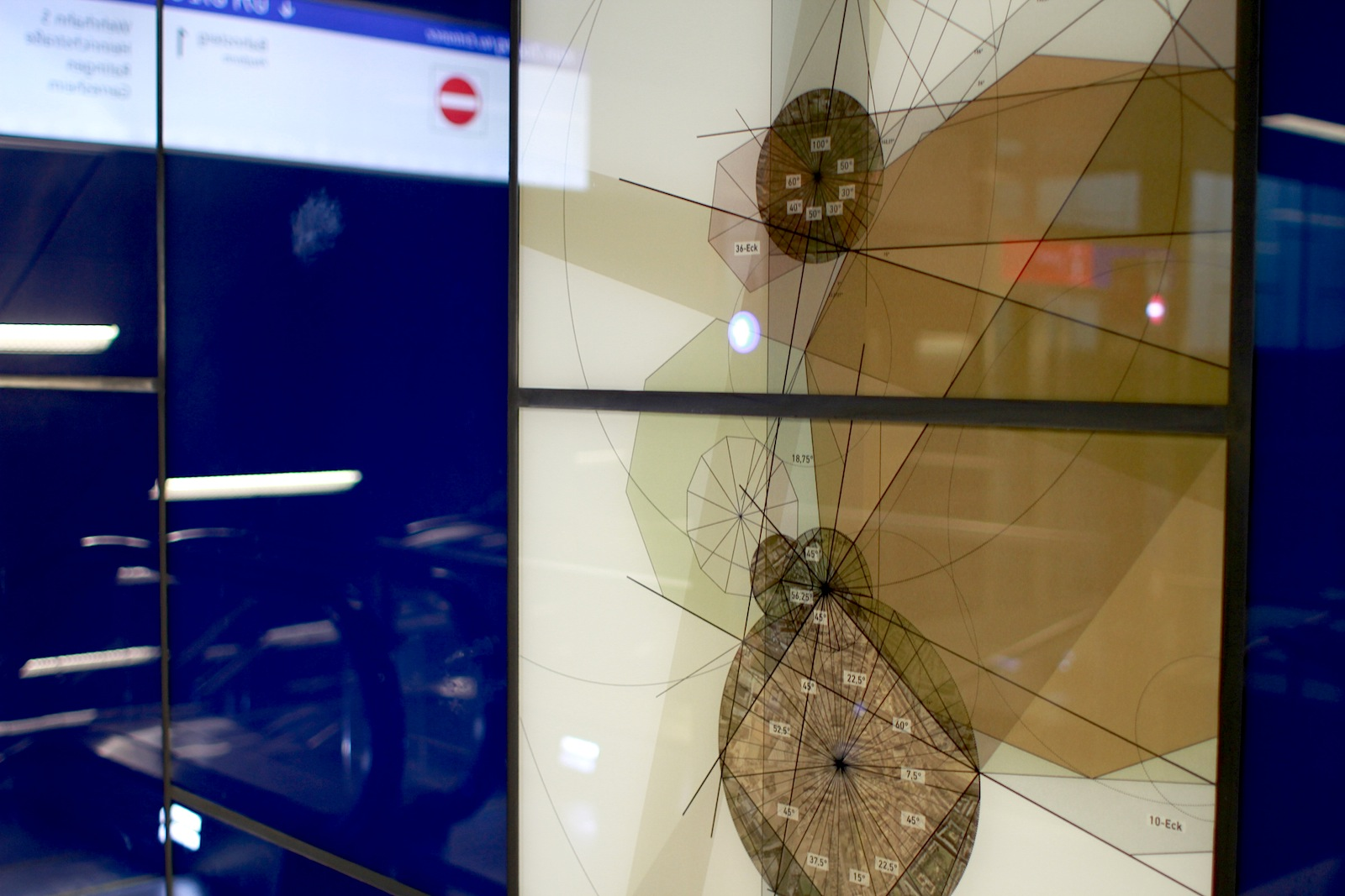 Schadowstraße Station. The resulting images of small, virtual life forms are created by means of the passersby.