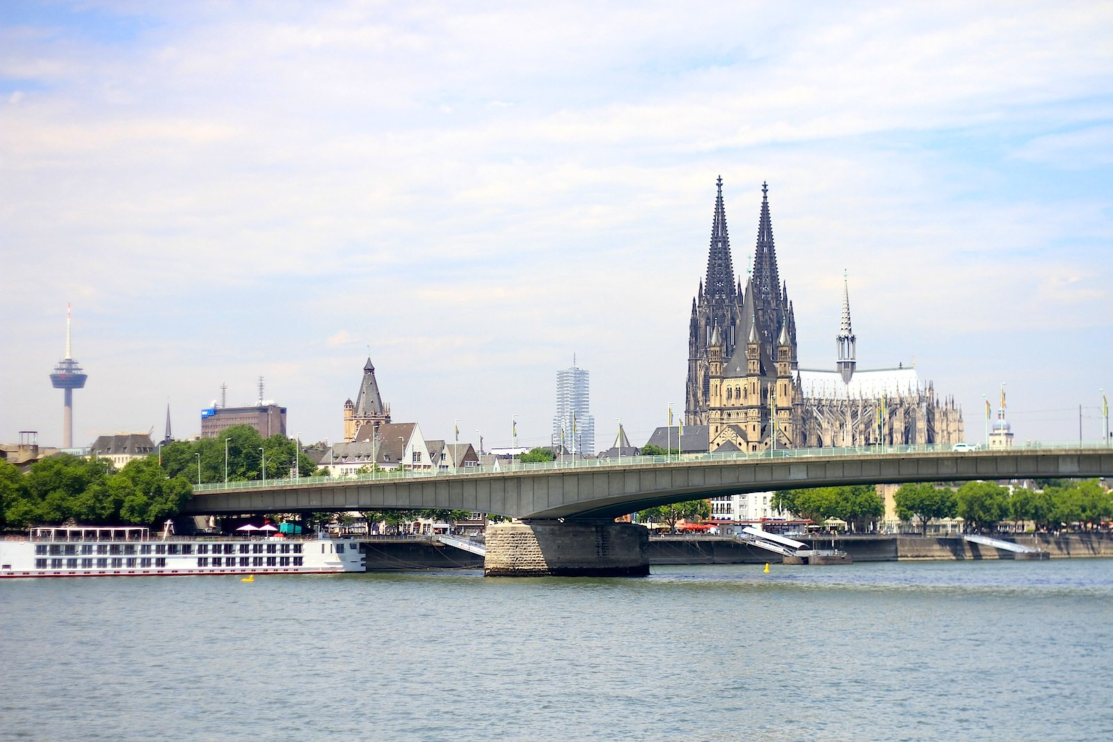 Altstadt of Cologne.  Deutzer Brücke with the Cathedral (Dom), Cologne Tower (KölnTurm), town hall, WDR, TV tower Colonius.