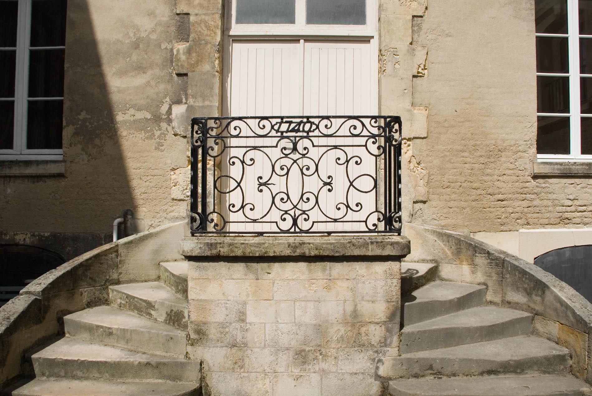Parcours Les Bassins. Überall im Viertel finden sich aber auch historische Bauten ...